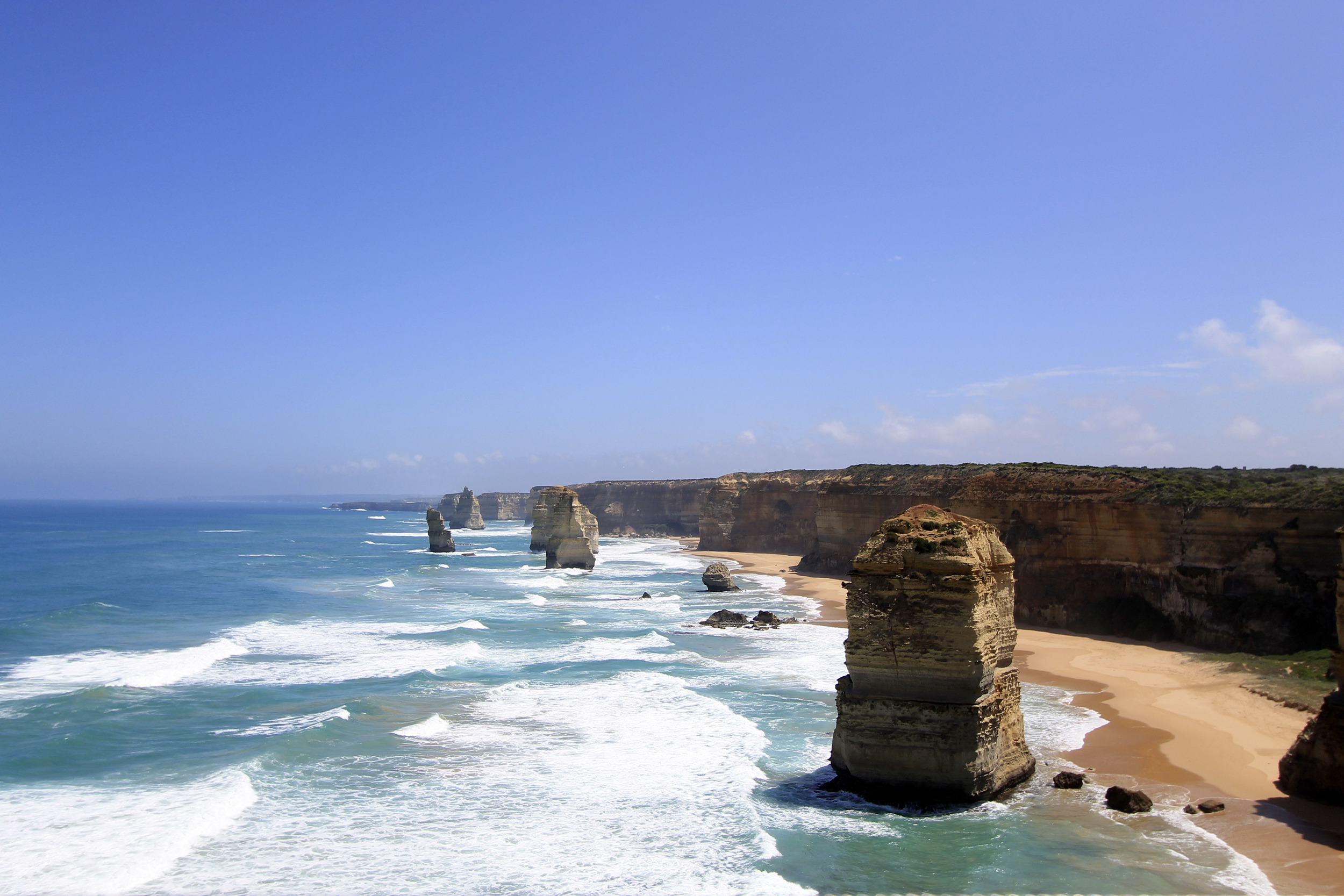 twelve-apostles-great-ocean-road-victoria-australia-view.jpg