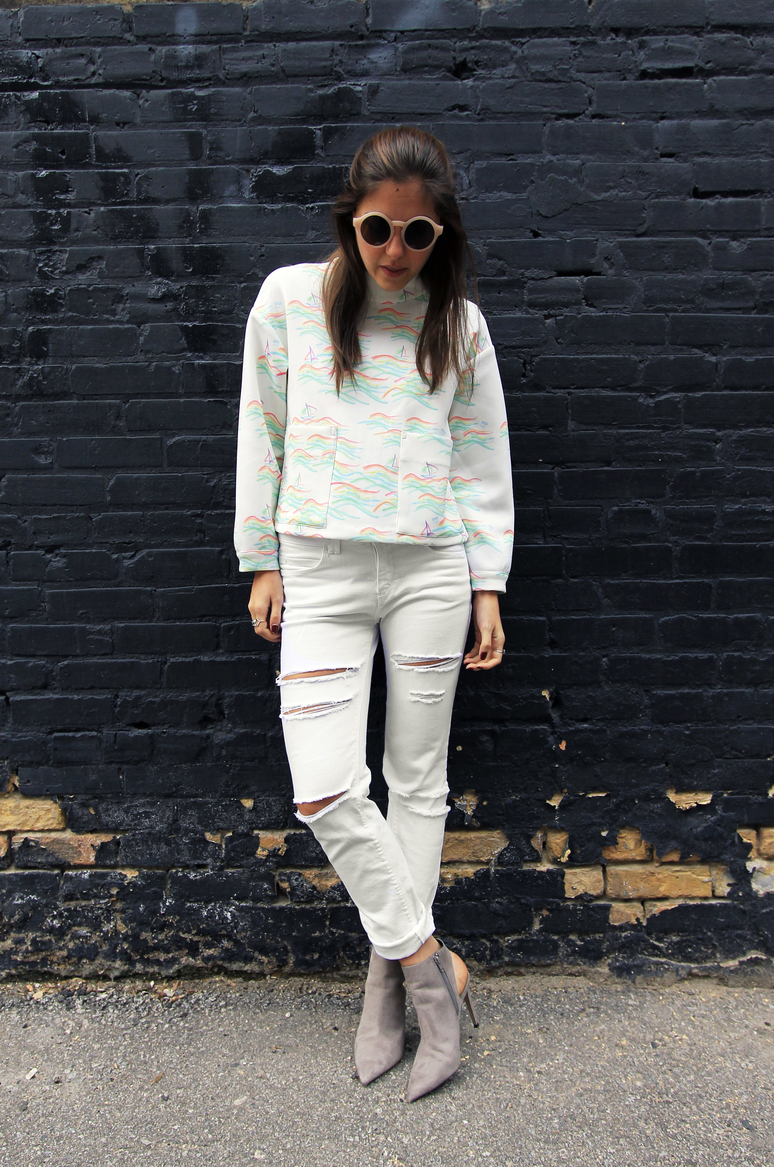 scuba-mock-neck-sweatshirt-white-jeans-ripped-rolled-silence-noise-urban-outfitters.jpg
