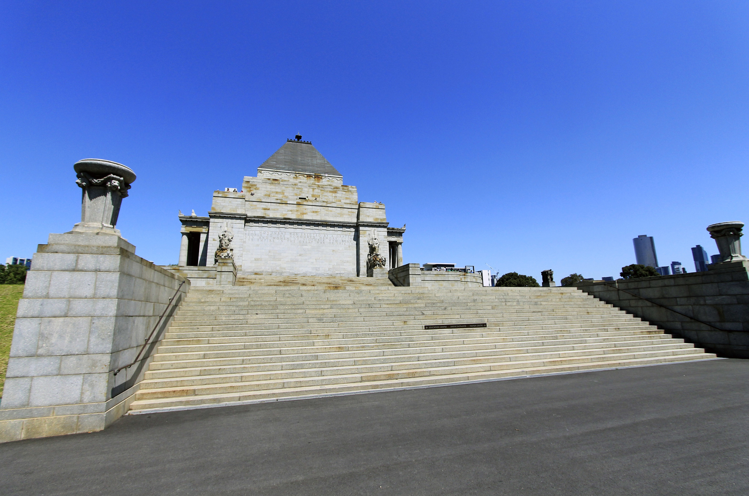 shrine-of-rememberance-monument-melbourne.jpg
