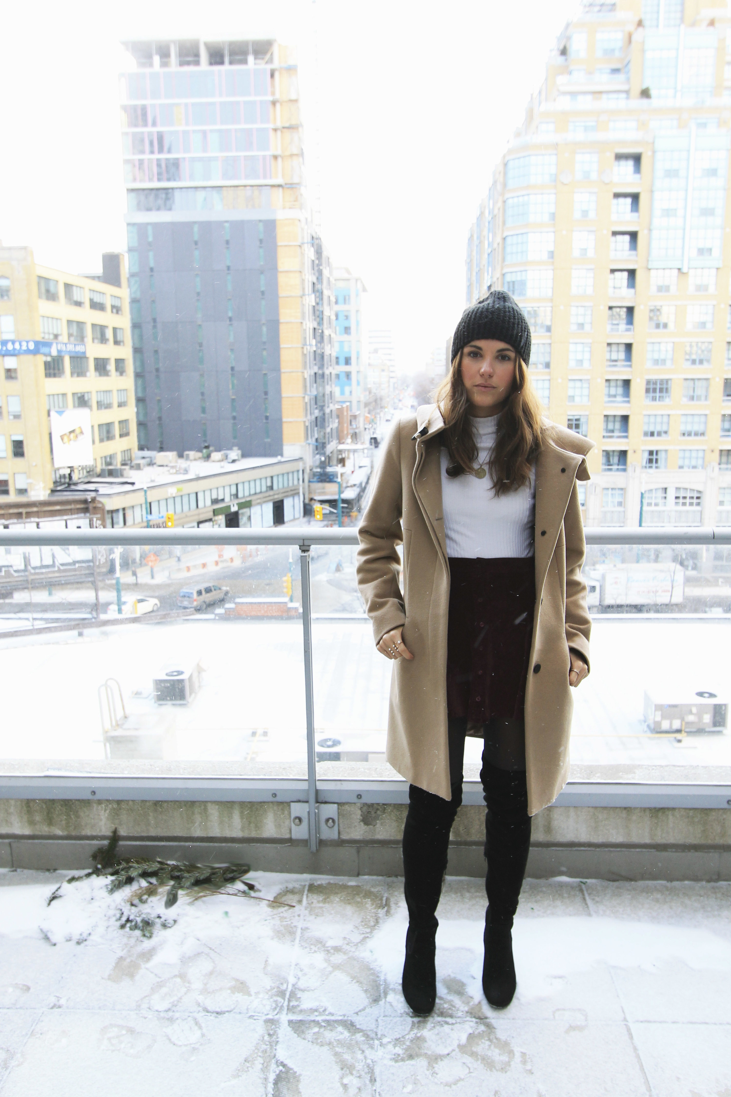 winter-outfit-style-inspiration-canada-toronto-aritzia-coat-thigh-high-over-the-knee-boots.jpg