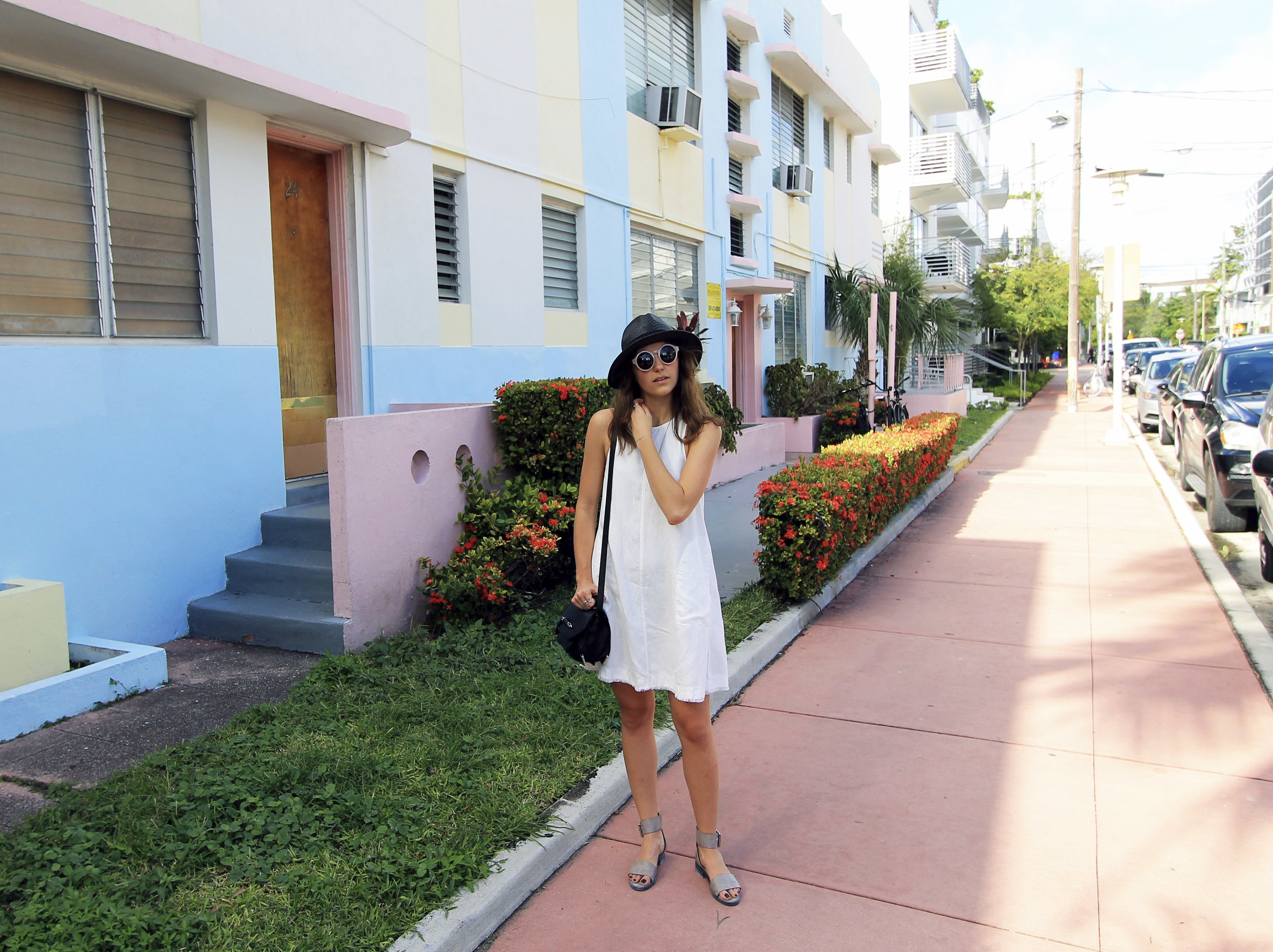 miami south beach style pastels outfit forever 21 aritzia wilfred fashion blogger.jpg