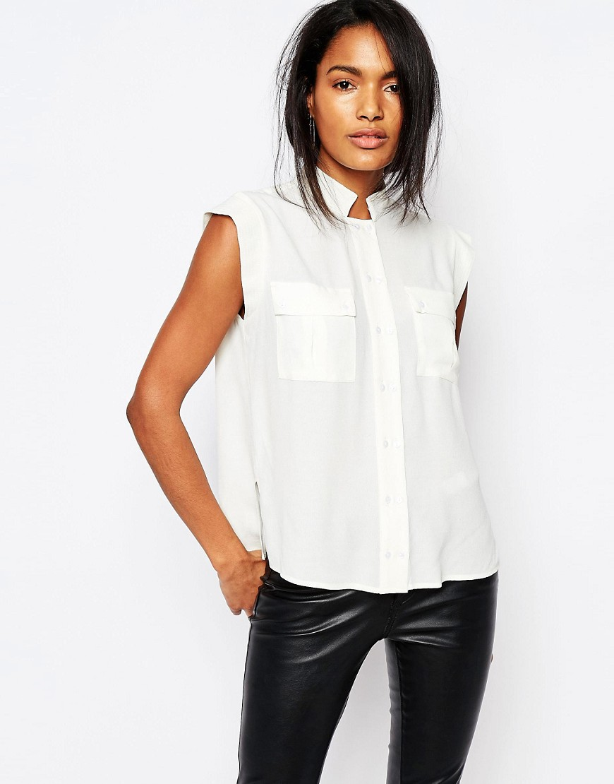 Y.A.S Rhina Sleeveless Shirt with Pockets.jpg