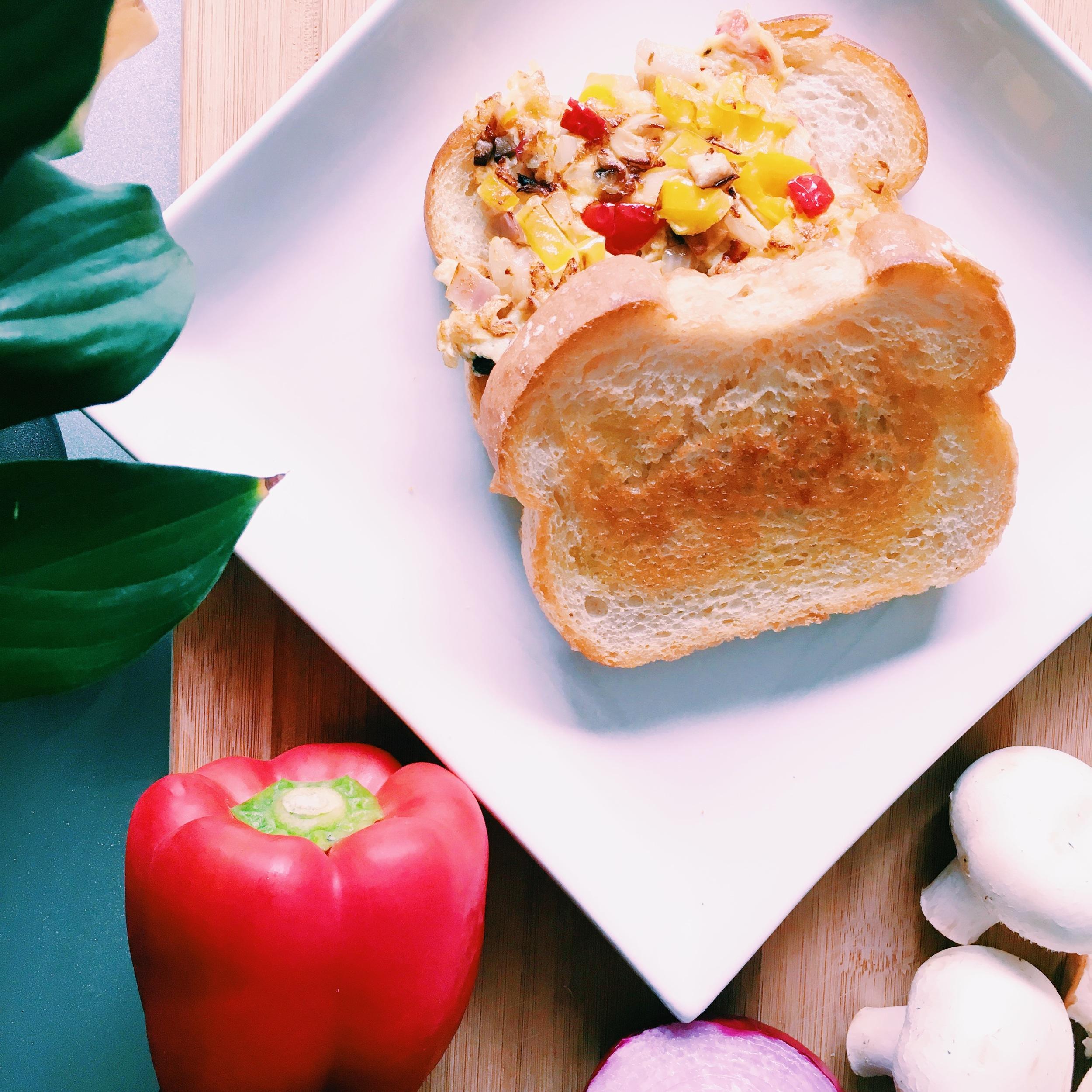 Western Omelette Sandwich
