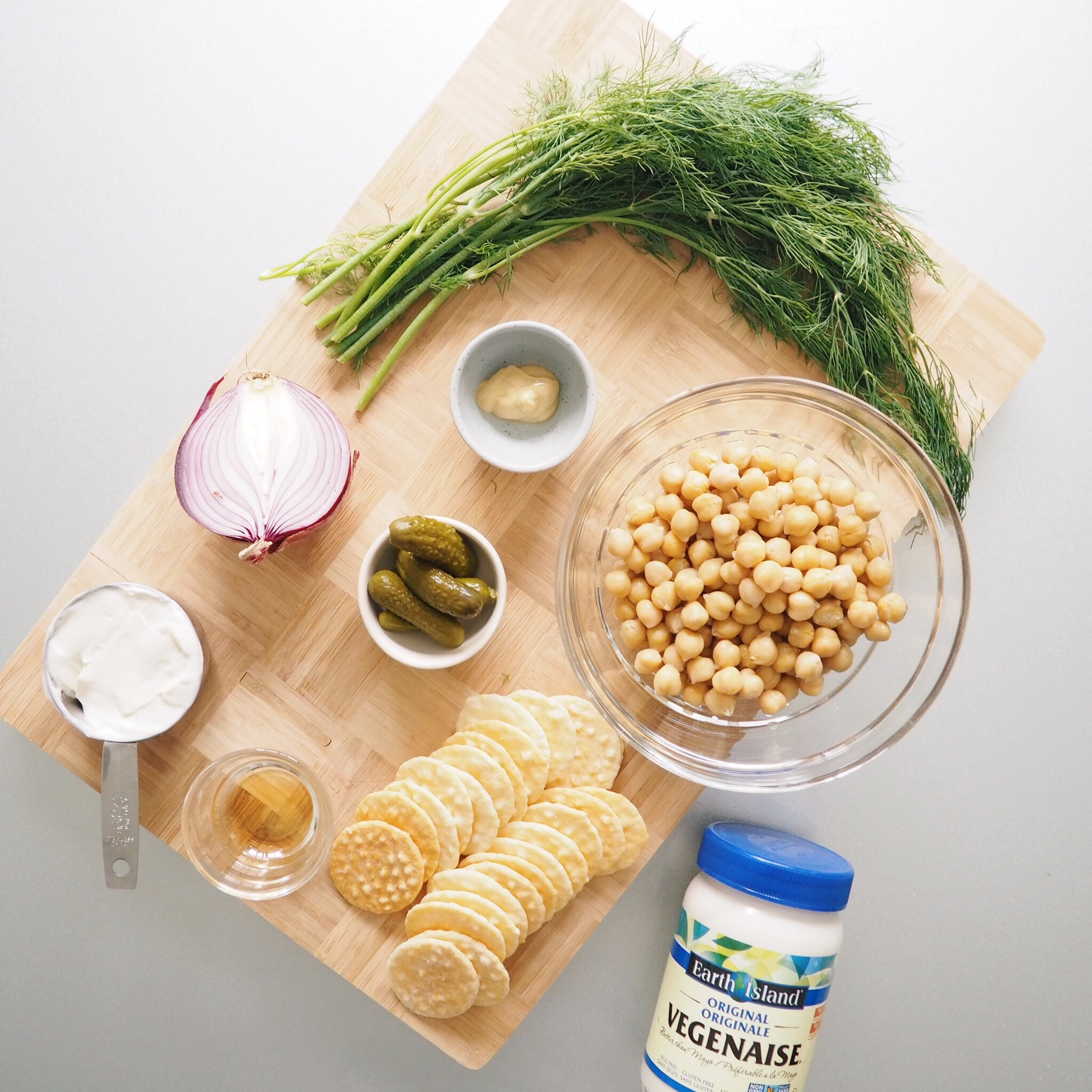 Dill Smashed Chickpeas on Crackers