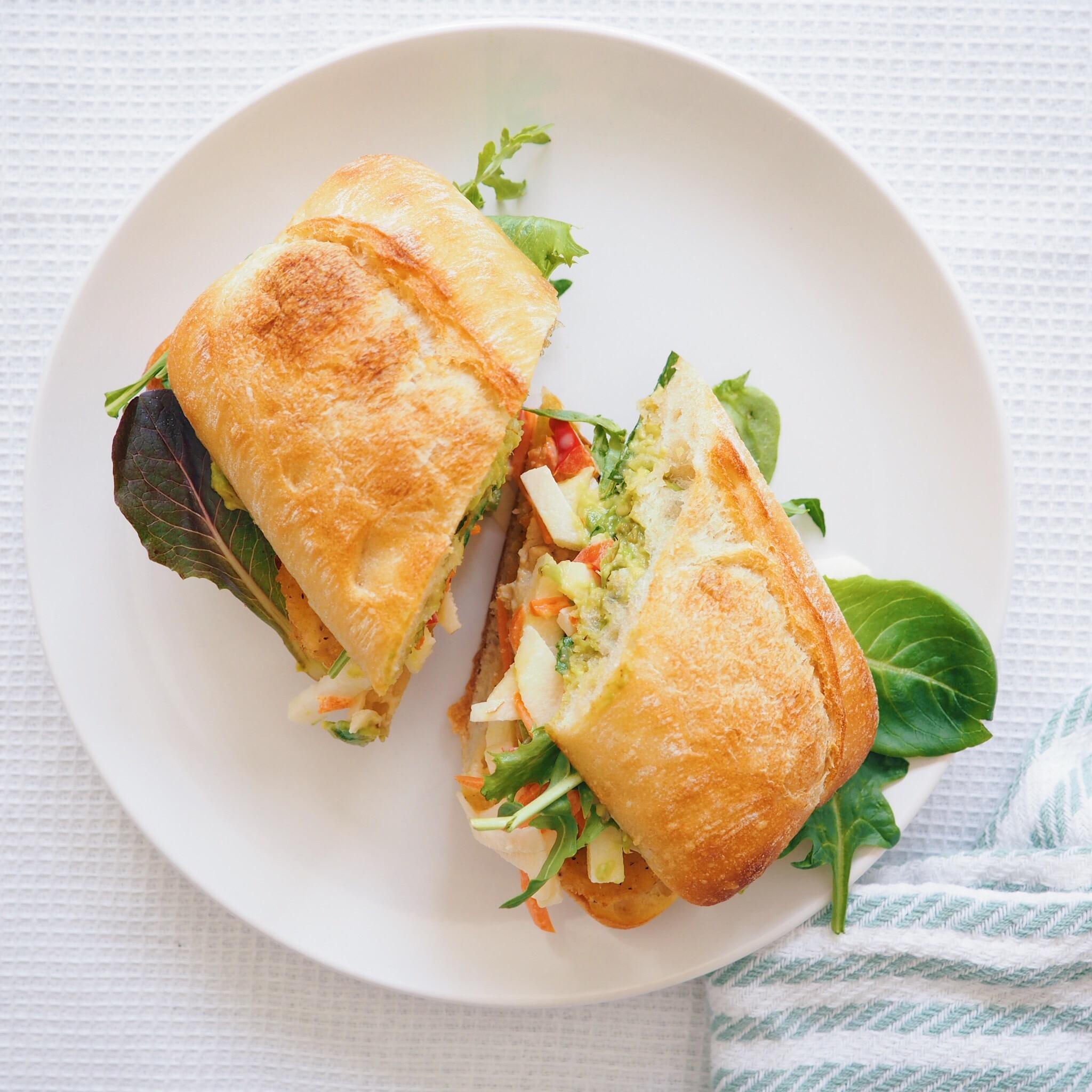 Vegan Crispy Chicken Sandwich(1).jpg