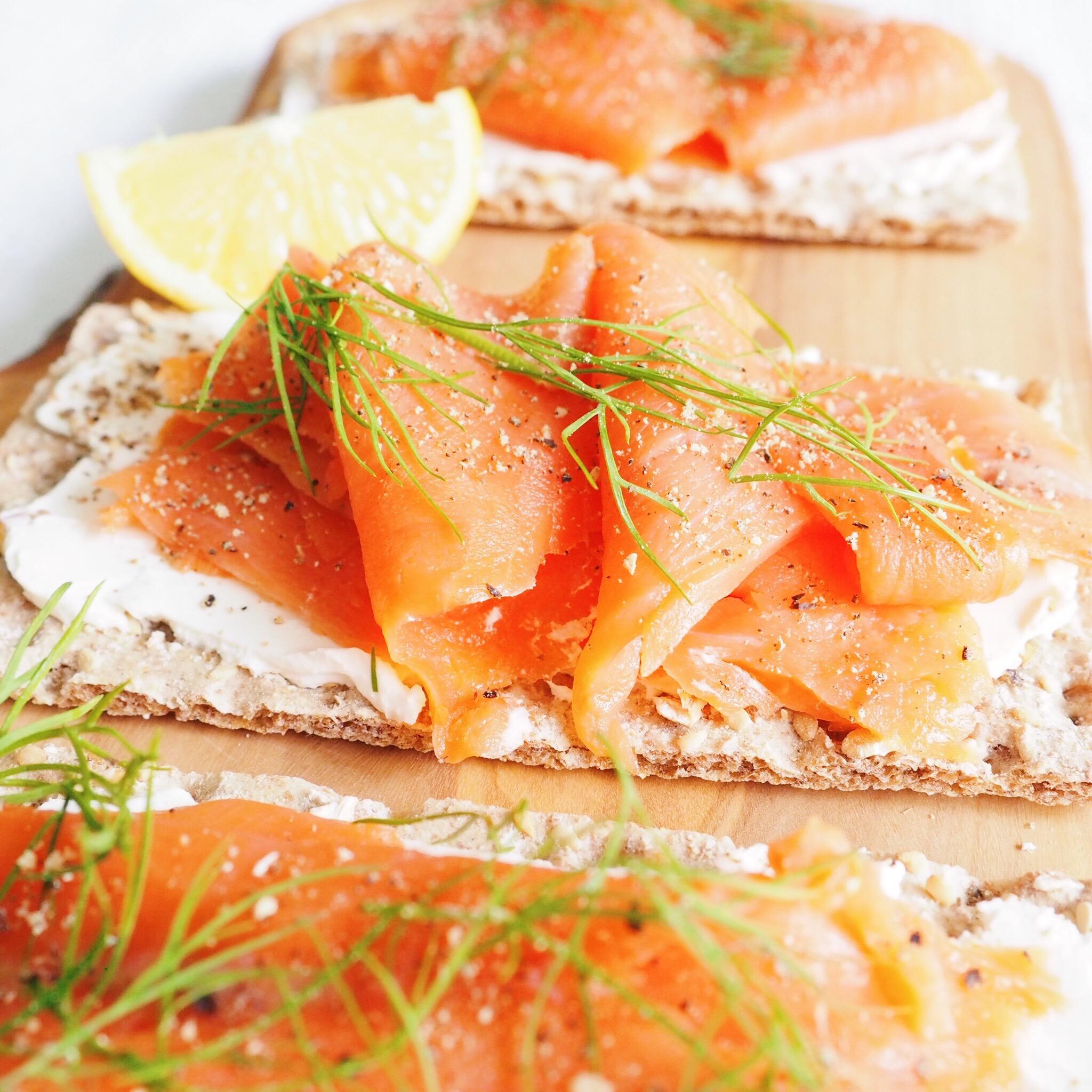 Smoked Salmon Cream Cheese Crackers