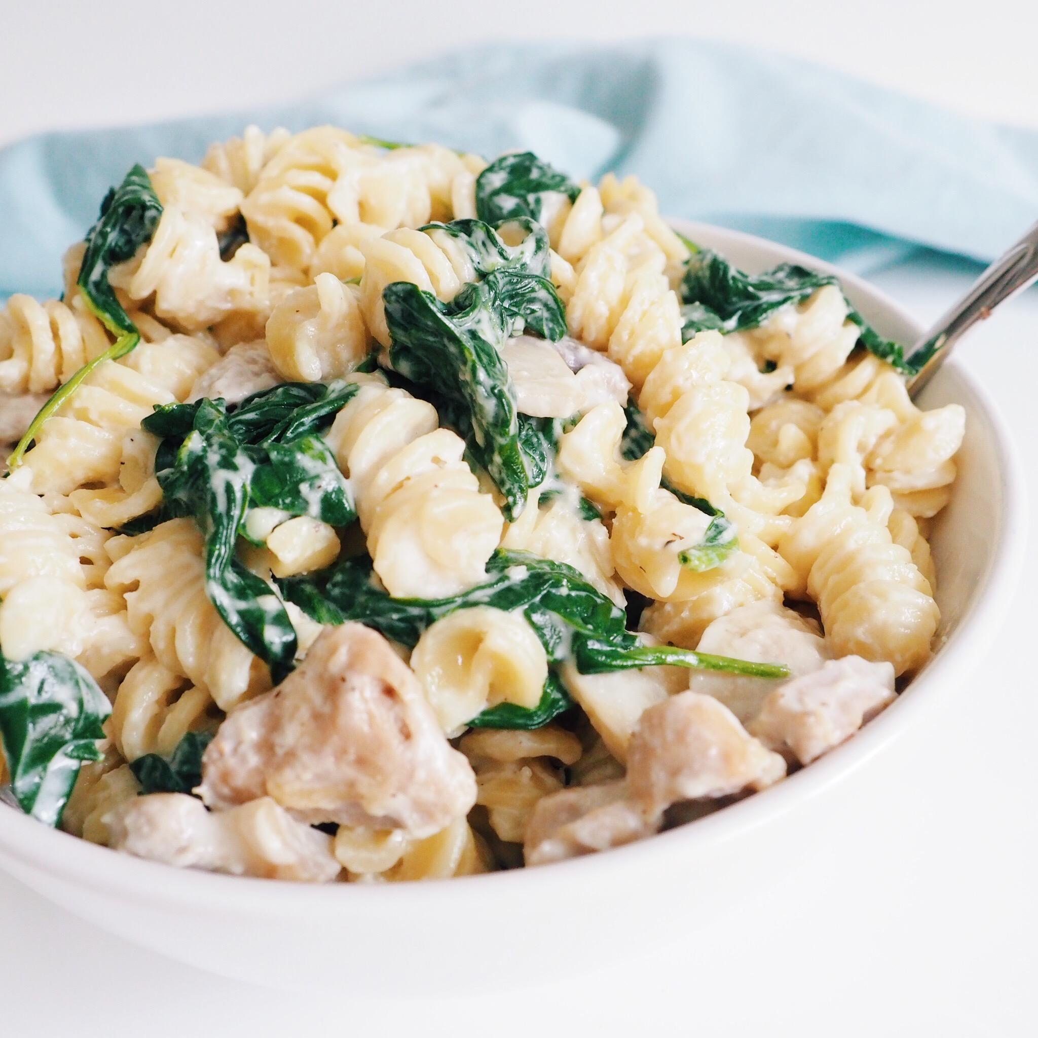 Creamy Chicken Spinach Mushroom Pasta