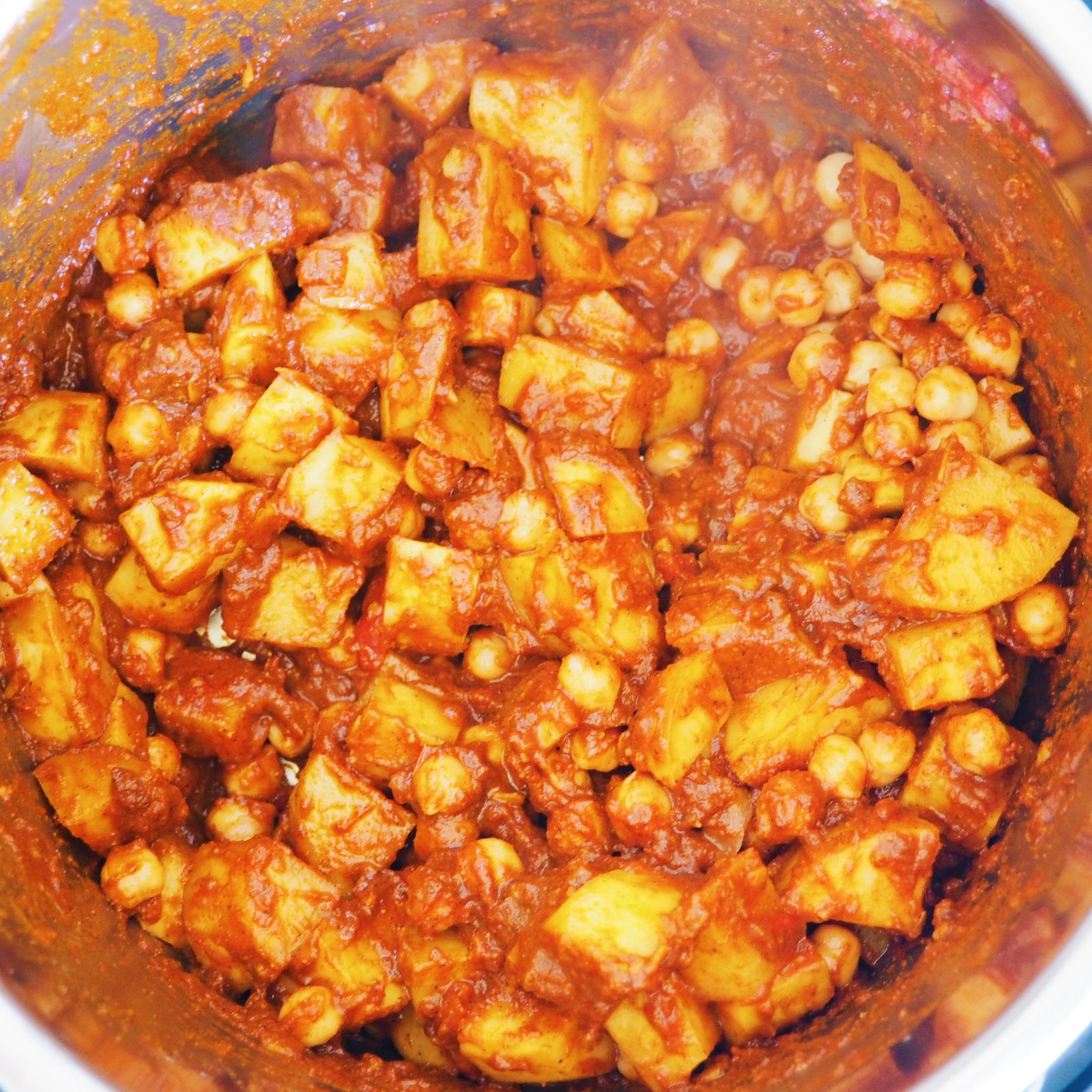 indian butter potatoes and chickpeas