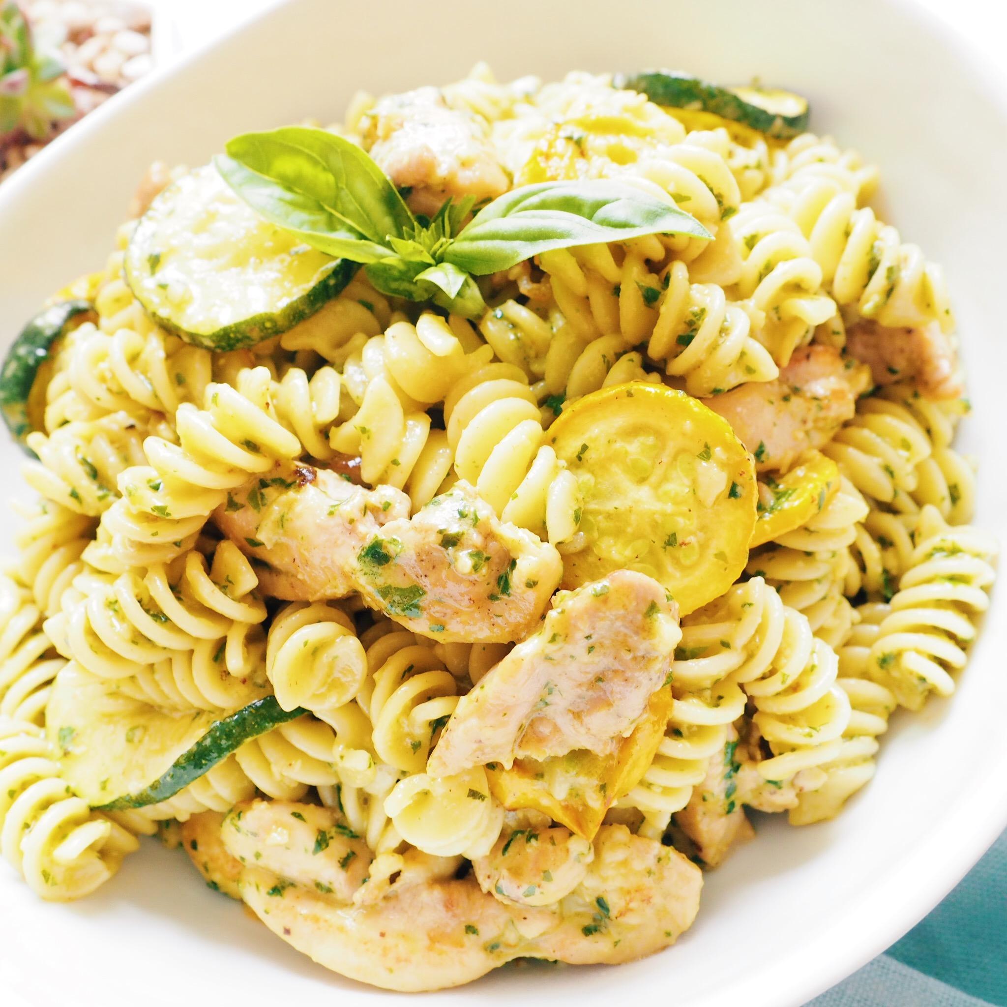 Basil Pesto Chicken Pasta(3).JPG