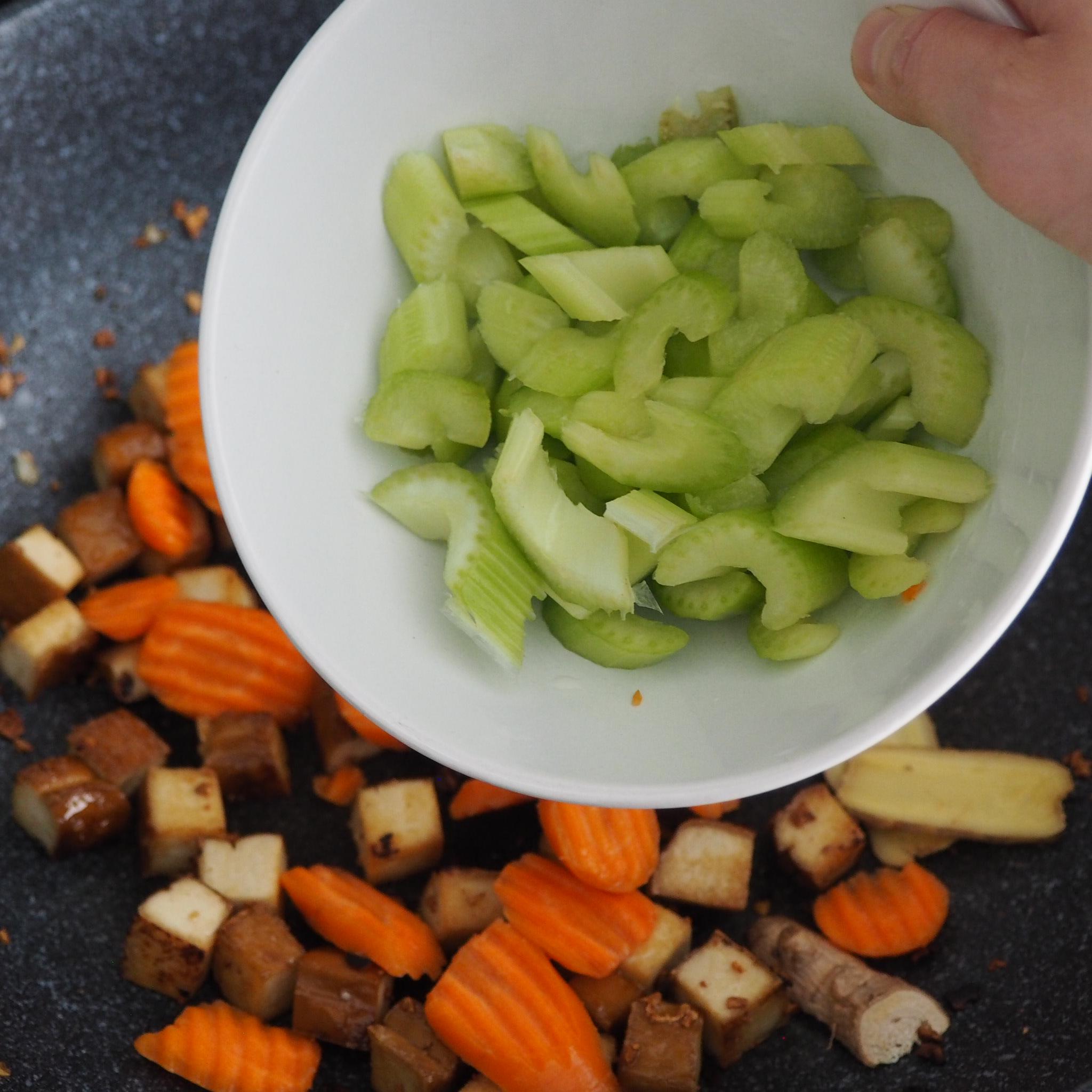 Asian Tofu Veggie Stir Fry (11).JPG