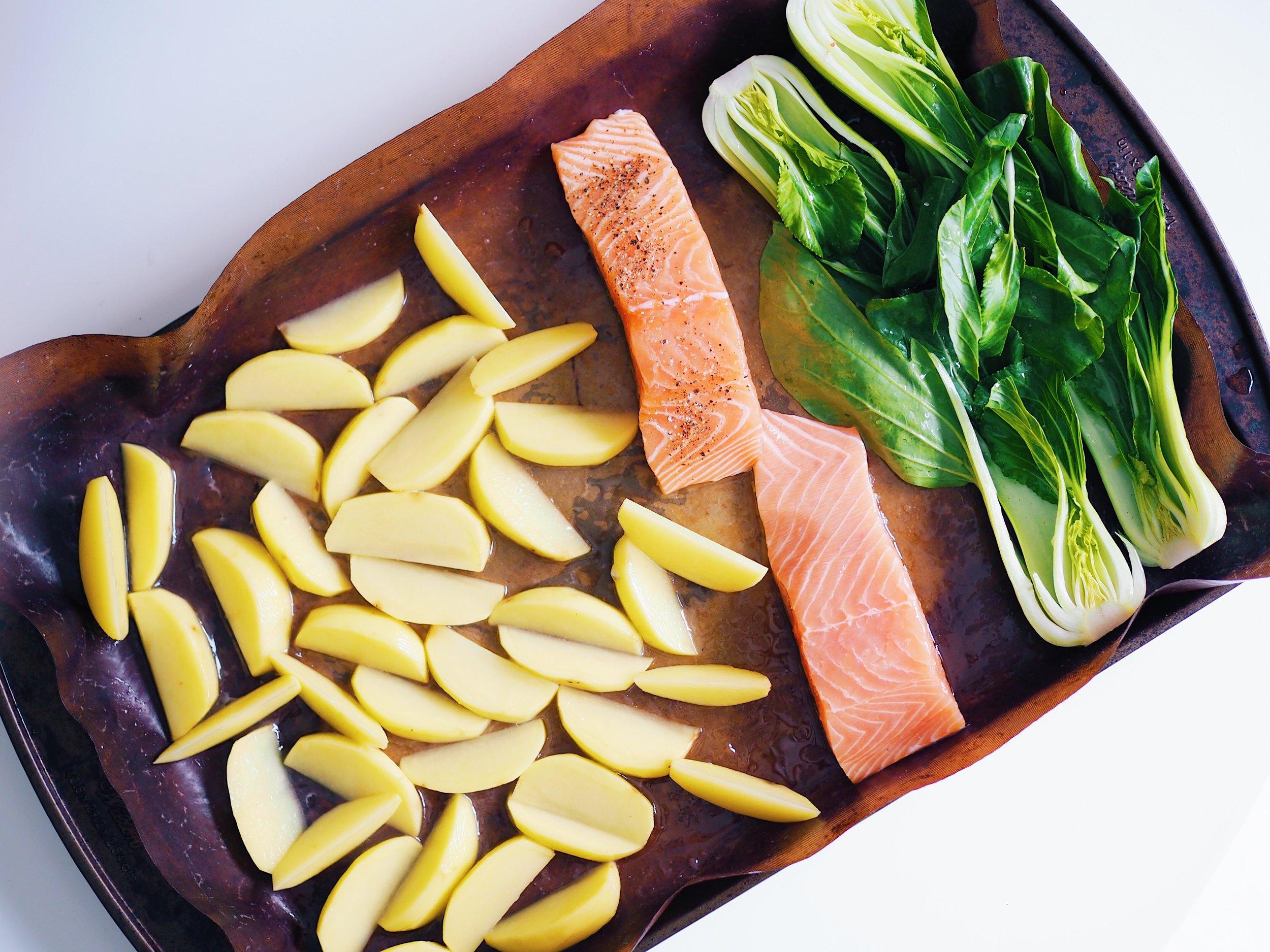 Easy Lemon Salmon _ Chips(2).JPG