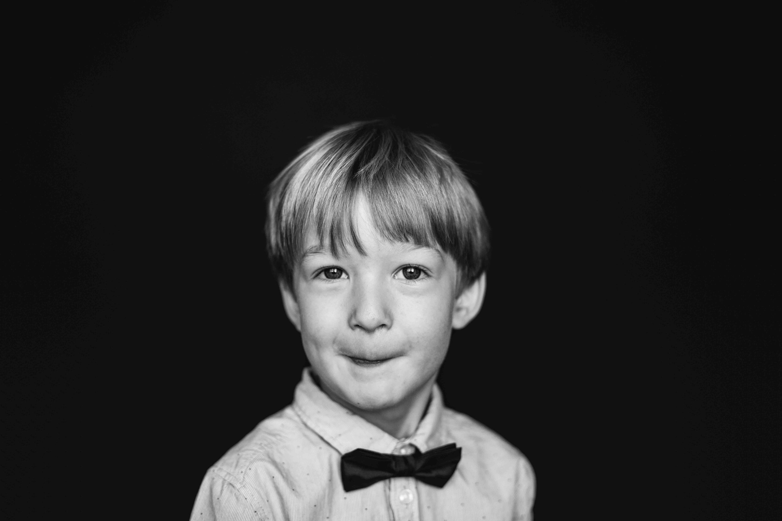 20180913_7718-- color--5day--preK--4yr----49----BLACK AND WHITE--357snowflake-pittsburgh-boutique-school-photography.jpg