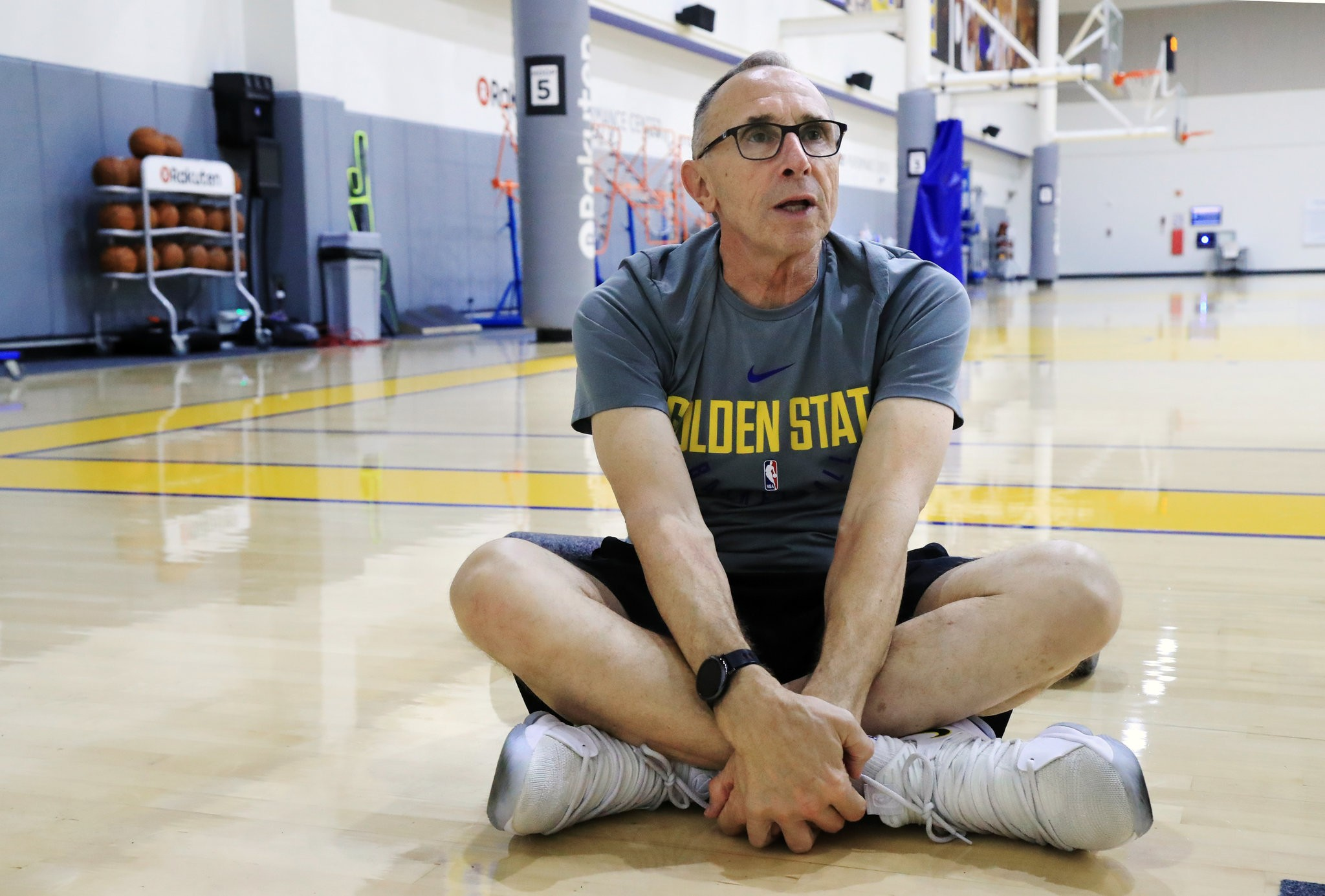 The Golden State Warriors' 70-Year-Old Truth-Teller - The wisdom that has been cultivated over a long career in the NBA has been key to the Warriors success.