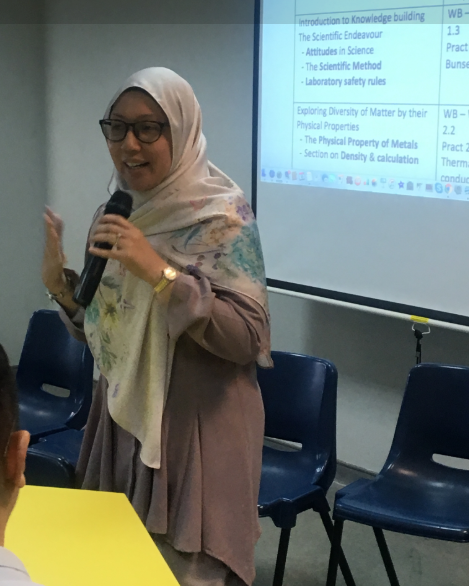 Mdm Shahizah (HOD, Sc, Ping Yi Secondary School) sharing their on-going effort to make use of the learning analytics to understand key ideas and connections across themes in their lower Secondary Science Syllabus.