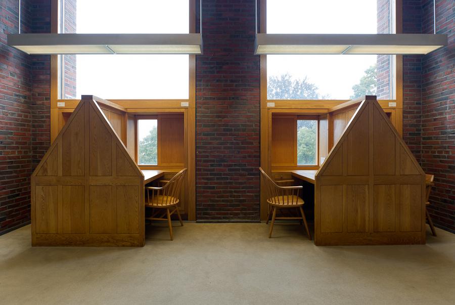图5 Exeter 图书馆阅读空间(路易·康)