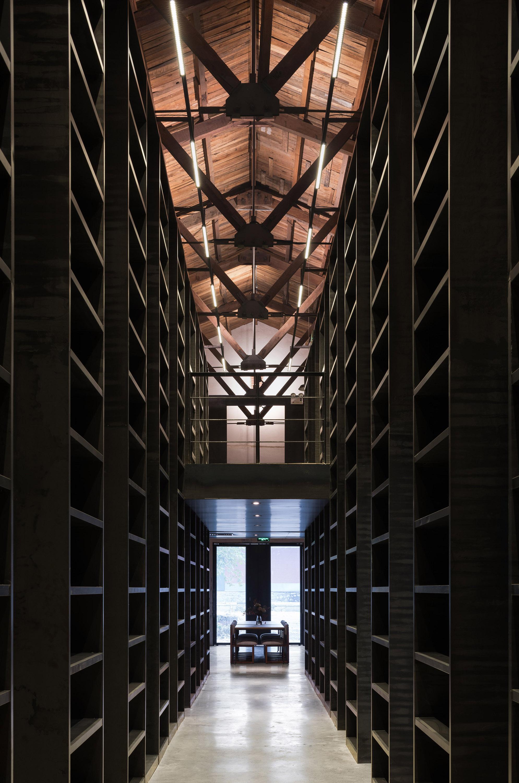 书廊 1 bookshelf corridor 1.jpg