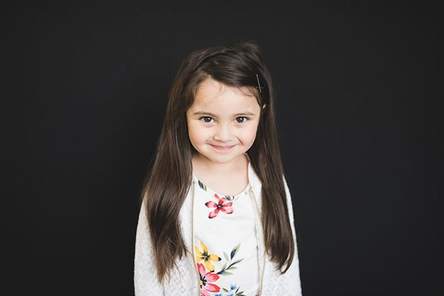Authentic School Photography - this a secondary part of my business that I truly adore.  Every year I photograph hundreds of beautiful faces and do my best to capture your child's authentic self.  Now booking Fall 2019!  September is almost 100% booked, but there's still room in October.  For anyone who refers me to YOUR child's school, your kids' photos are free on picture day! Link in profile and/or reach out for more info! ⠀⠀ .⠀⠀ .⠀⠀ .⠀⠀ .⠀⠀ .⠀⠀ .⠀⠀ .⠀⠀ .⠀⠀ ⠀⠀ ⠀⠀ #meganhooksphotography #seattlefamilyphotographer #edmondsfamilyphotographer #nikond850 #clickinmoms #illuminateclasses #seattlenewbornphotogrpher #howiclick #cameramama #seattle #pnw #letthekids #seattlematernityphotographer #lifestylephotography #familyphotographer #dearphotographer #seattlebaby #meganhooks #edmonds #iamphotonative #seattleinhomephotographer #seattleschoolphotography #authenticschoolphotography #botiqueschoolphotography #fineartschoolphotography