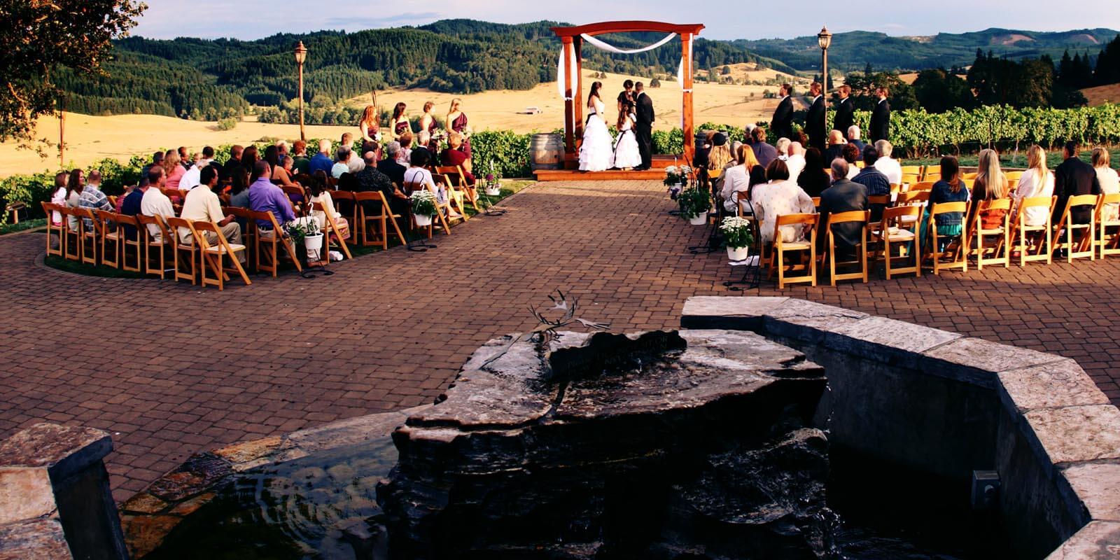 sweet-cheeks-winery-eugene-oregon-wedding-026-027.jpg