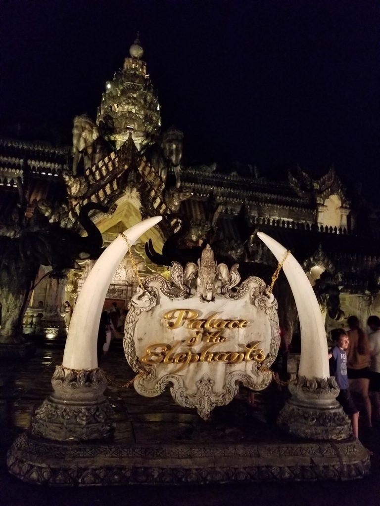 Phuket-FantaSea-theme-park-palace-of-the-elephants-Phuket-Thailand-7-768x1024.jpg