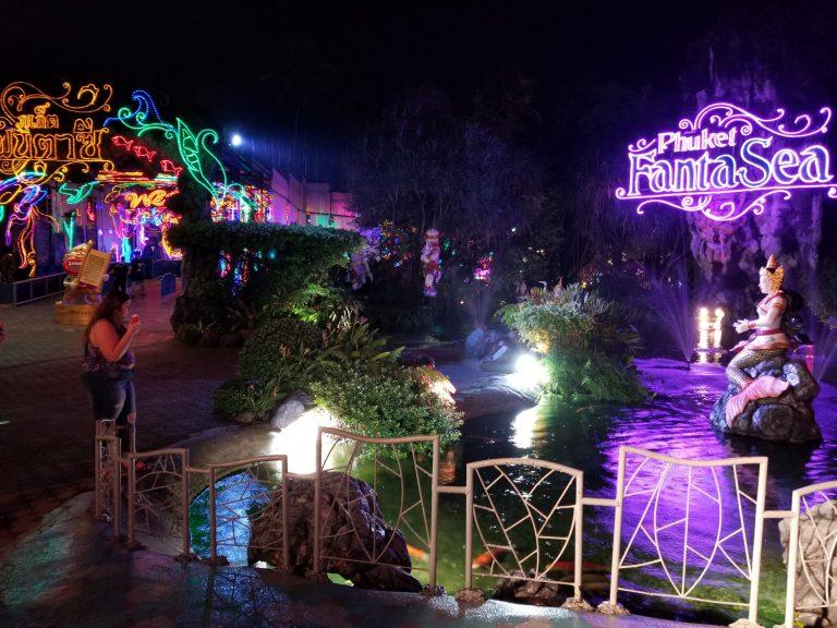 Phuket-FantaSea-theme-park-palace-of-the-elephants-Phuket-Thailand-8-768x576.jpg