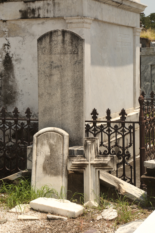 New-Orleans-Louisiana-St-Augustine-Cemetary-II-12.jpg