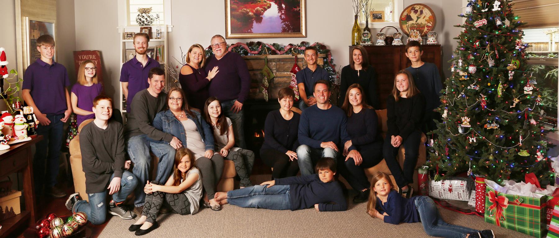 multiple generations Family Portraits Eugene Oregon professional photographer.jpg