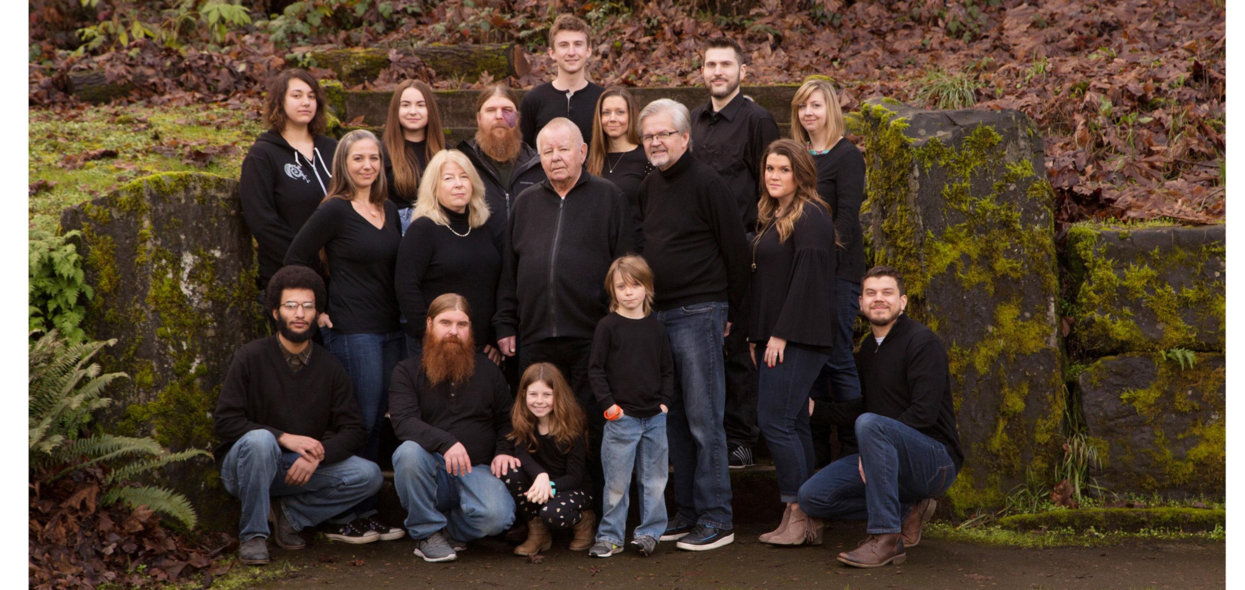 timeless family portraits award winning photographers Eugene Oregon.jpg