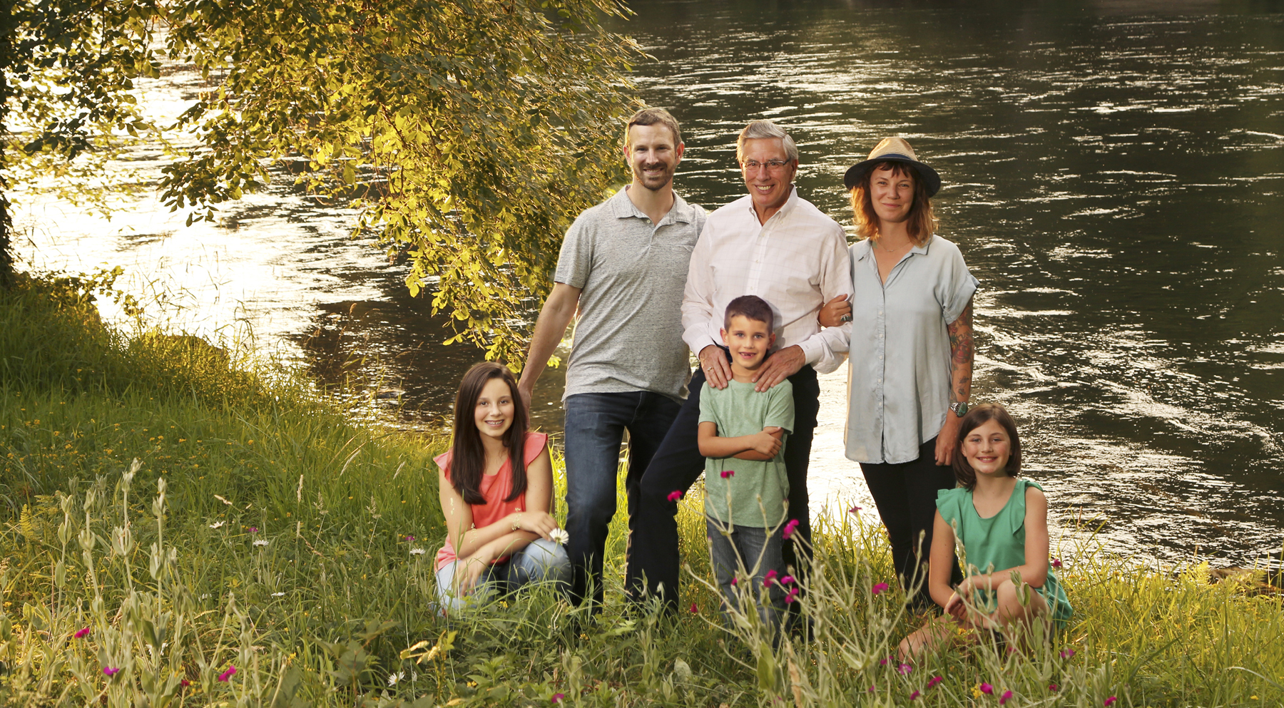casual family photos Eugene Oregon by the river.jpg