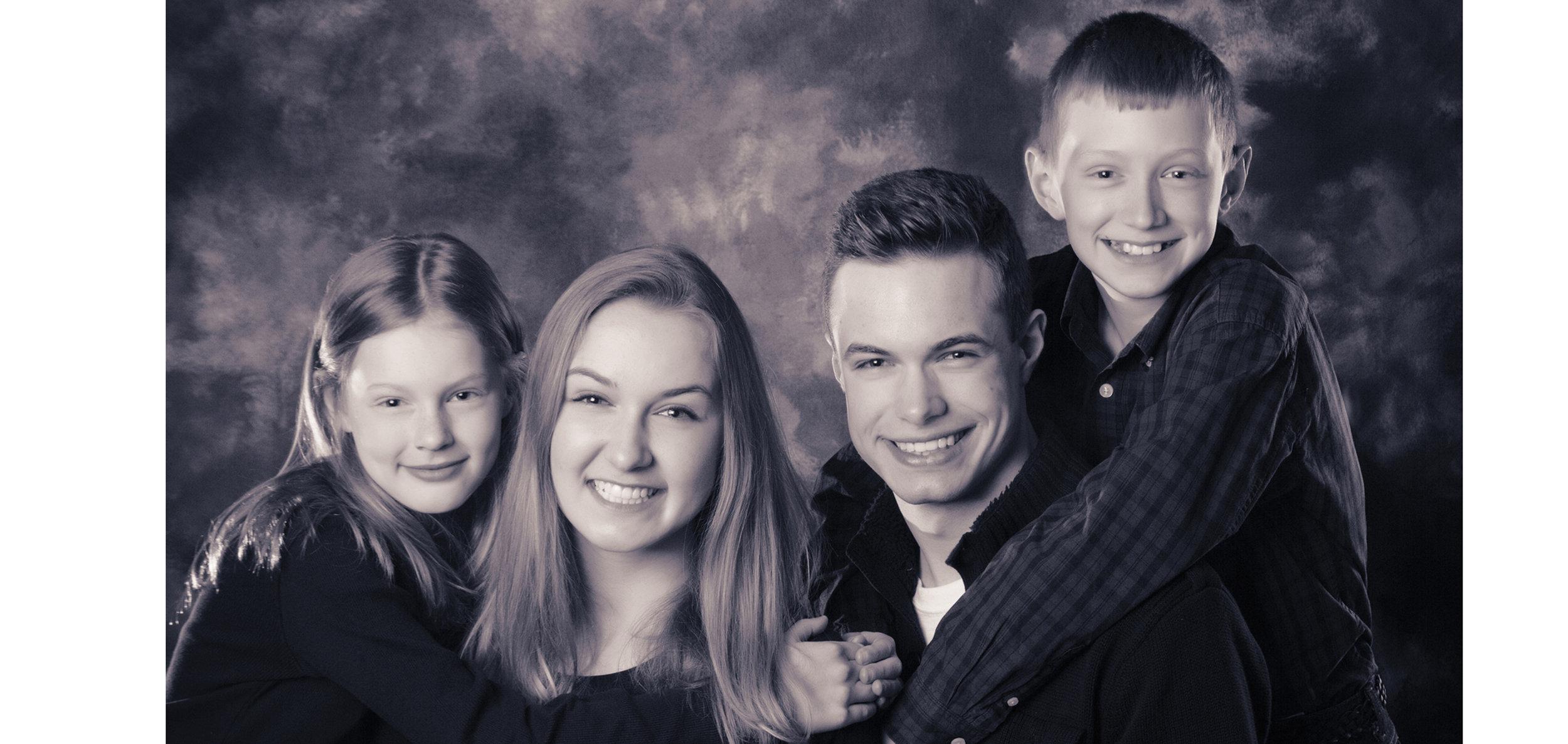 formal portraits in a photogrpahy studio professional of children Oregon.jpg