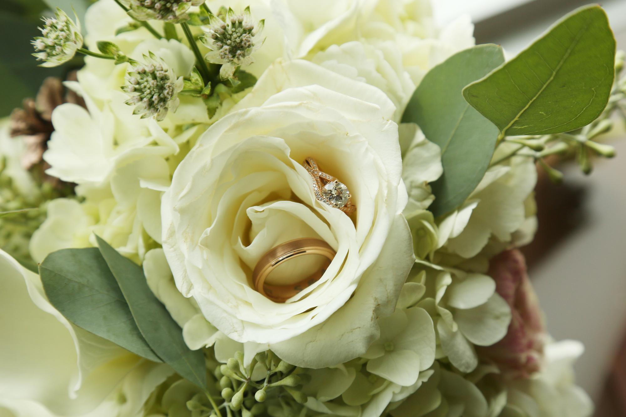 bridal bouquet flowers florist MA