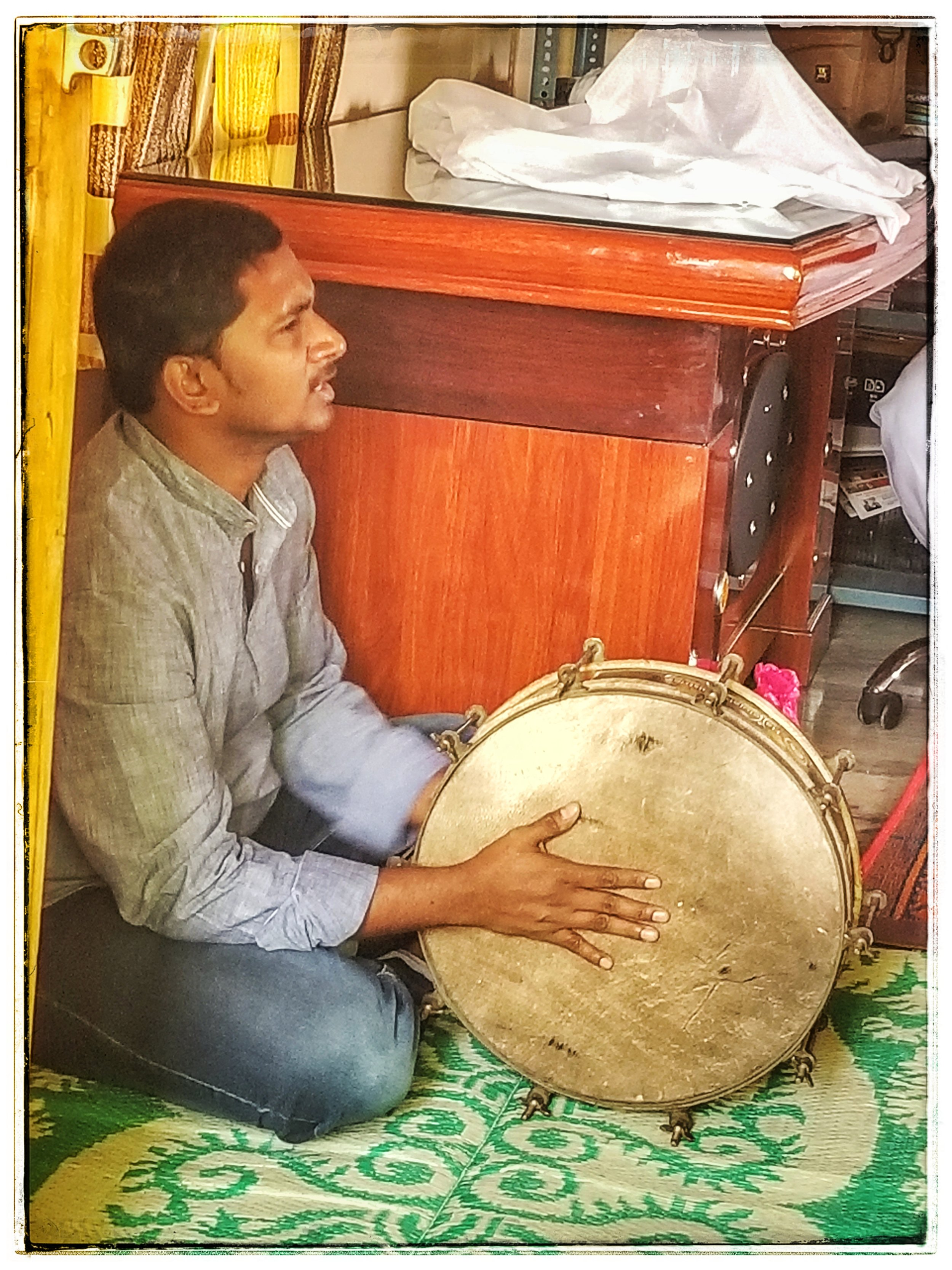 Church in India. Uses just voices and drums. Worship usually lasts 45 minutes or more.