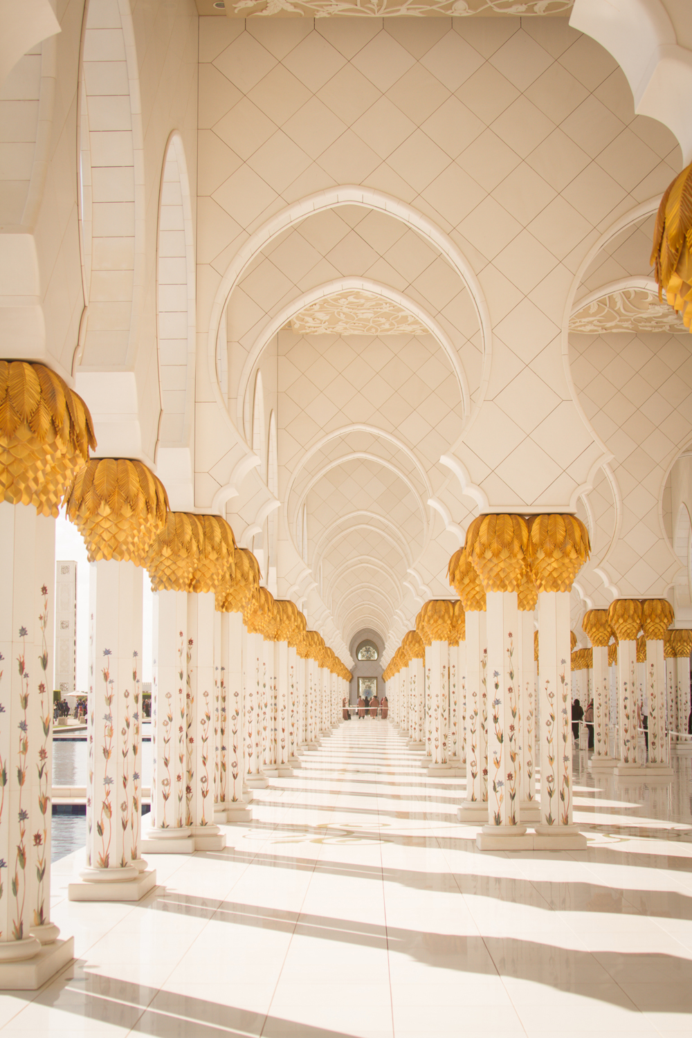 UAE Abu Dhabi Grand Mosque 1 billion plus (5)-2.jpg
