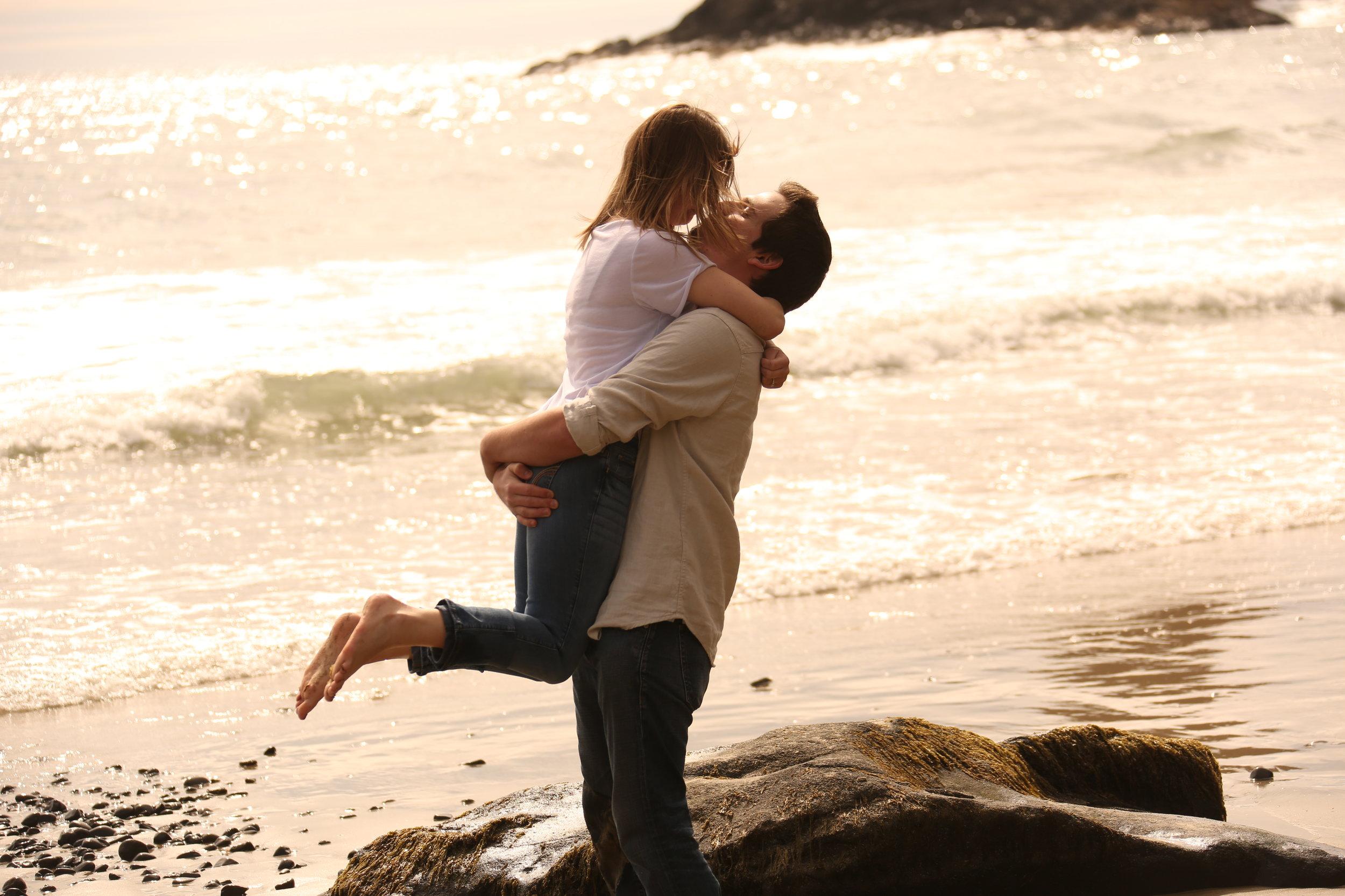 Eugene Oregon photographers engagement photos couple pics photographers (33).JPG