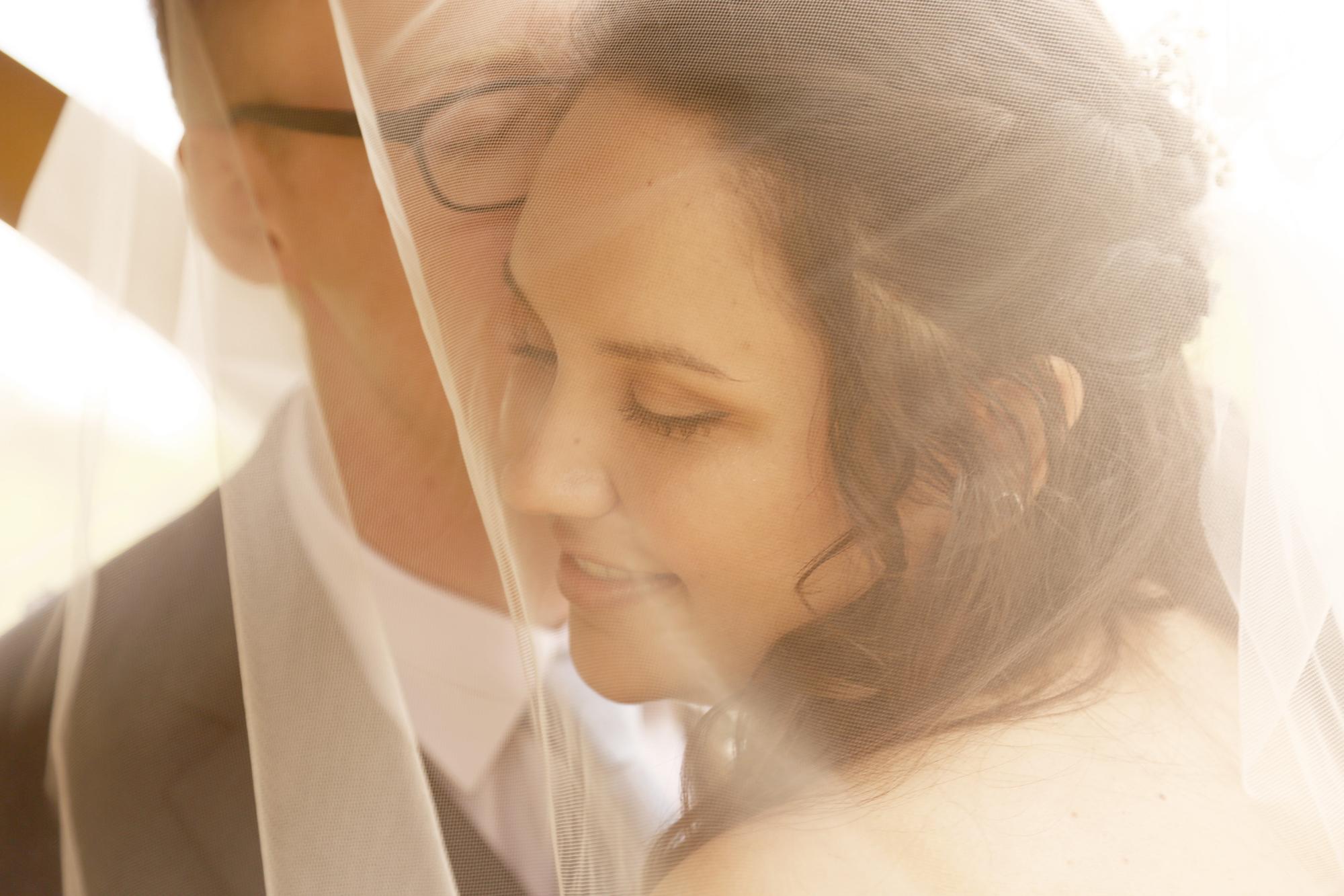 romantic wedding photographers Eugene Oregon