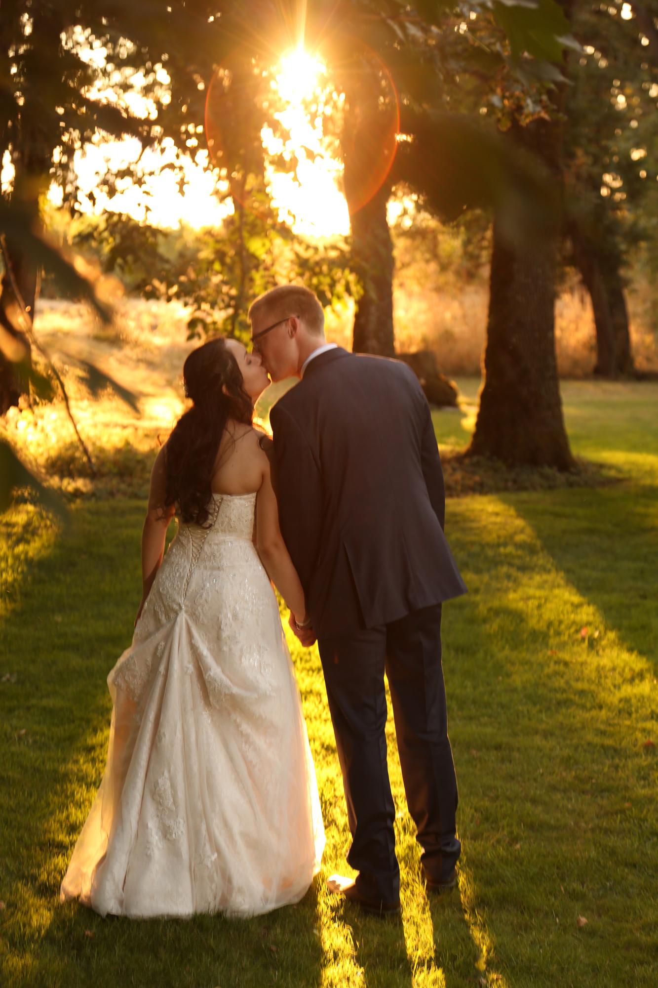 Wedding photographers Eugene Oregon