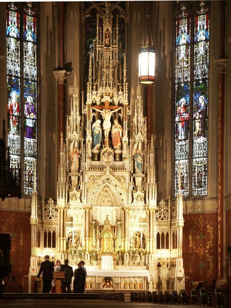 Saint Francis de Sales, altar.jpg