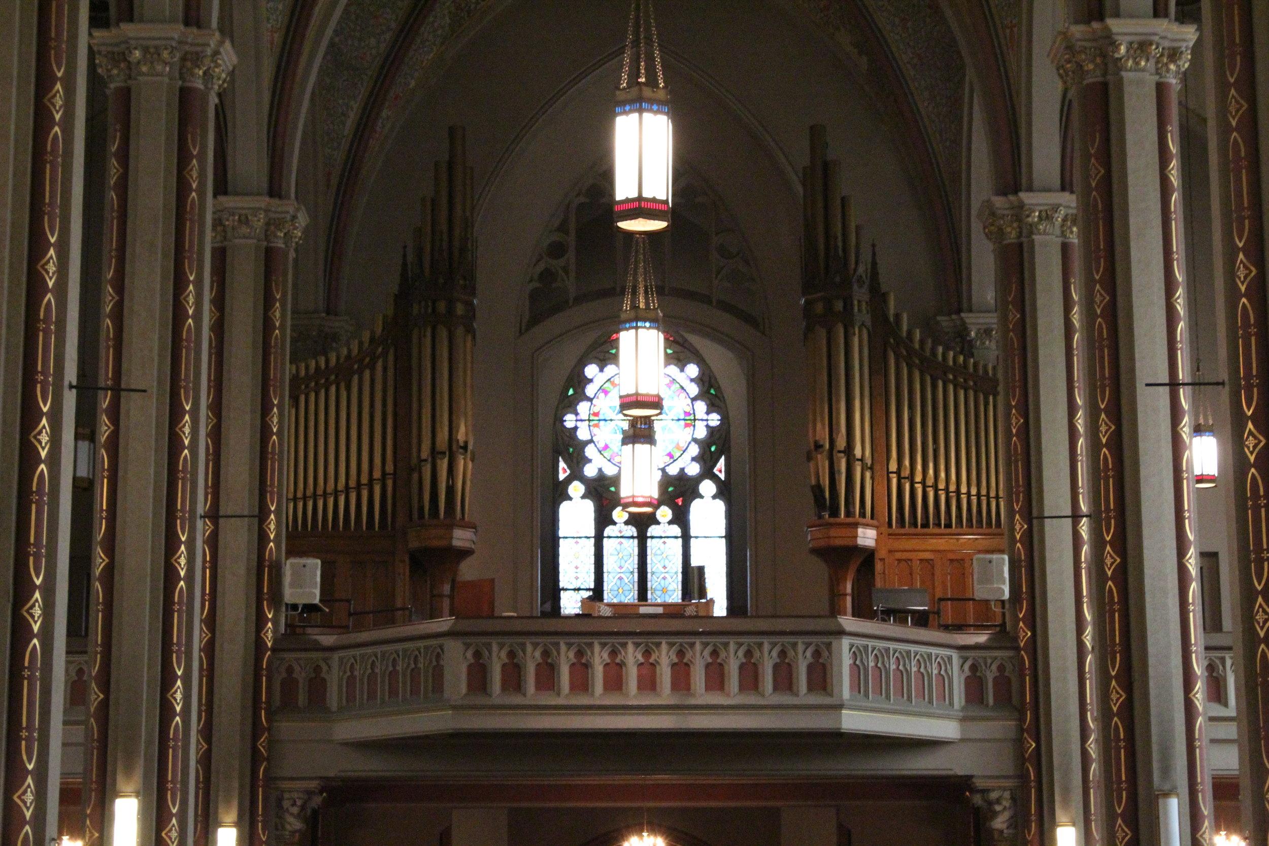 Current Wicks Organ (built in 1924)