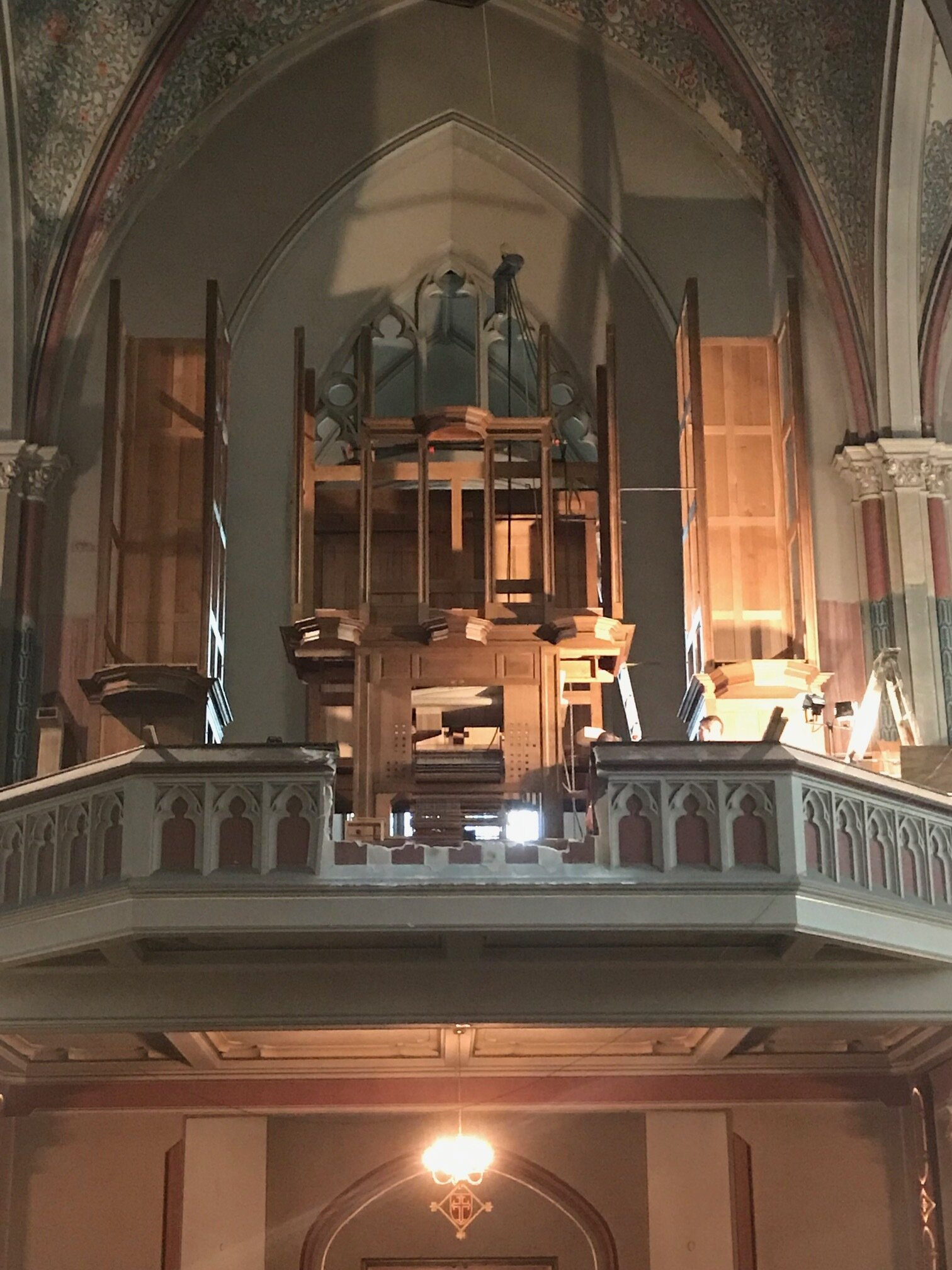 Installation of the new Wilhelm organ in progress