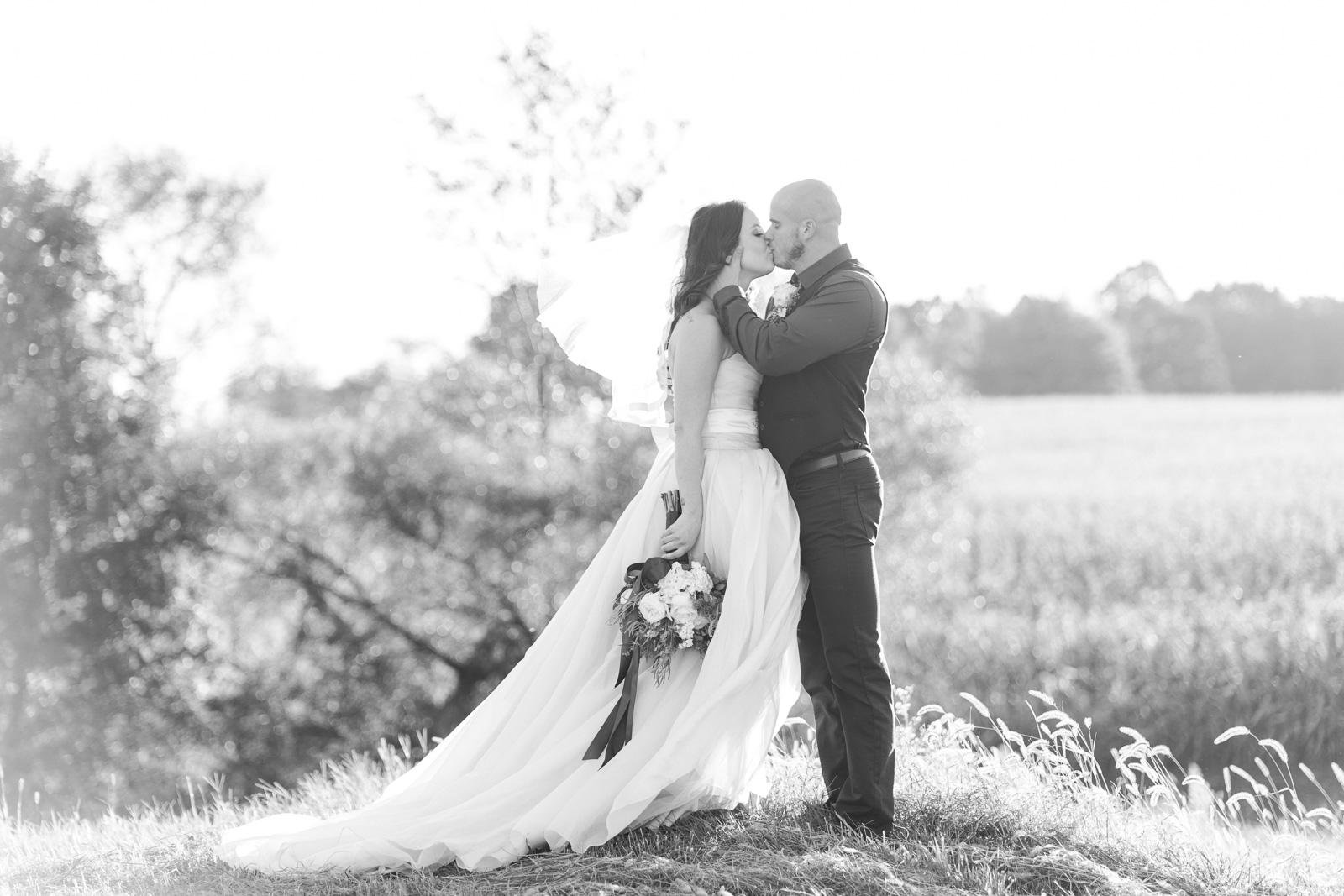 Romantic Rustic Wooster Wedding by Cleveland Wedding Photographer Matt Erickson Photography