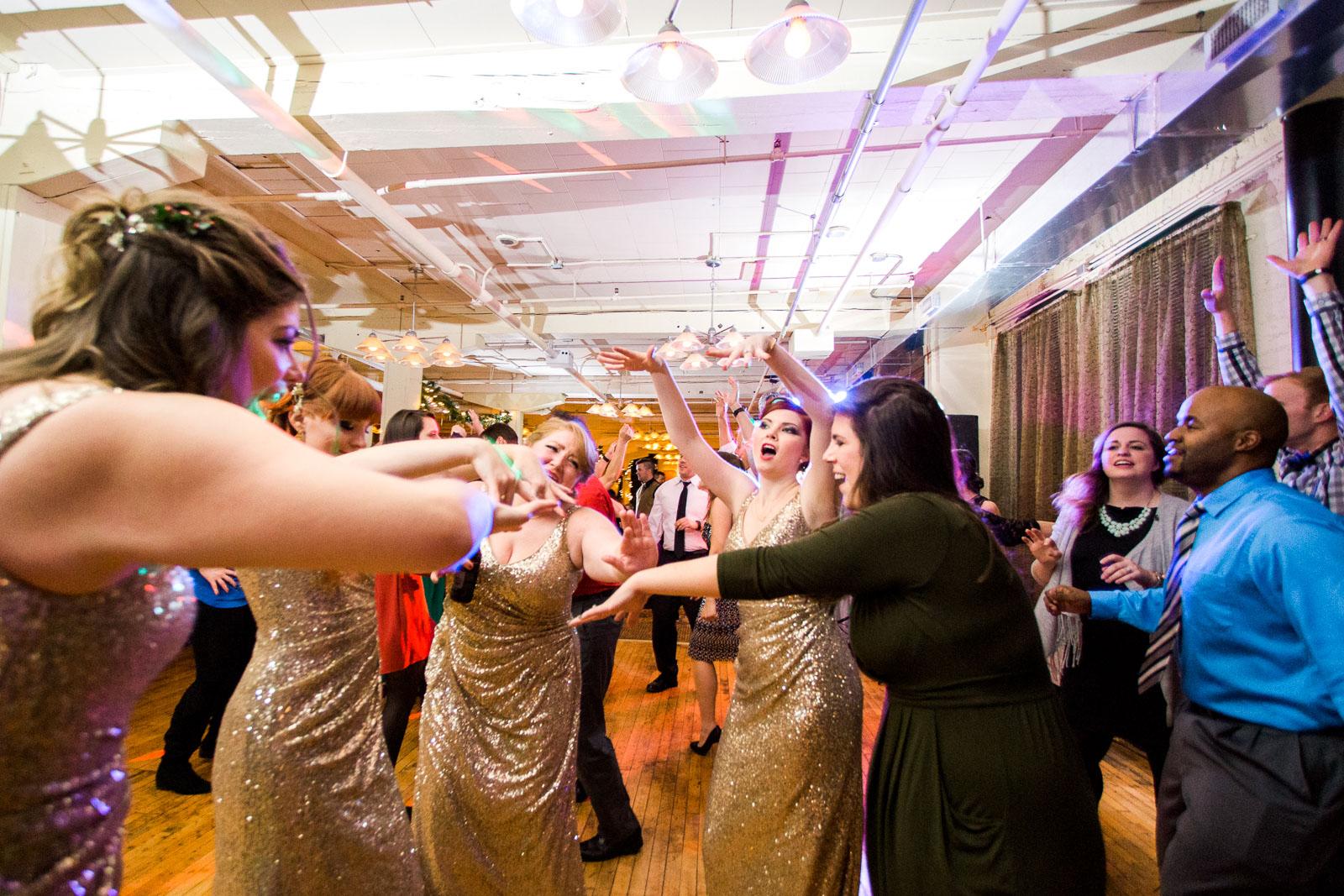Ohio Christmas Wedding by Cleveland Wedding Photographer Matt Erickson Photography