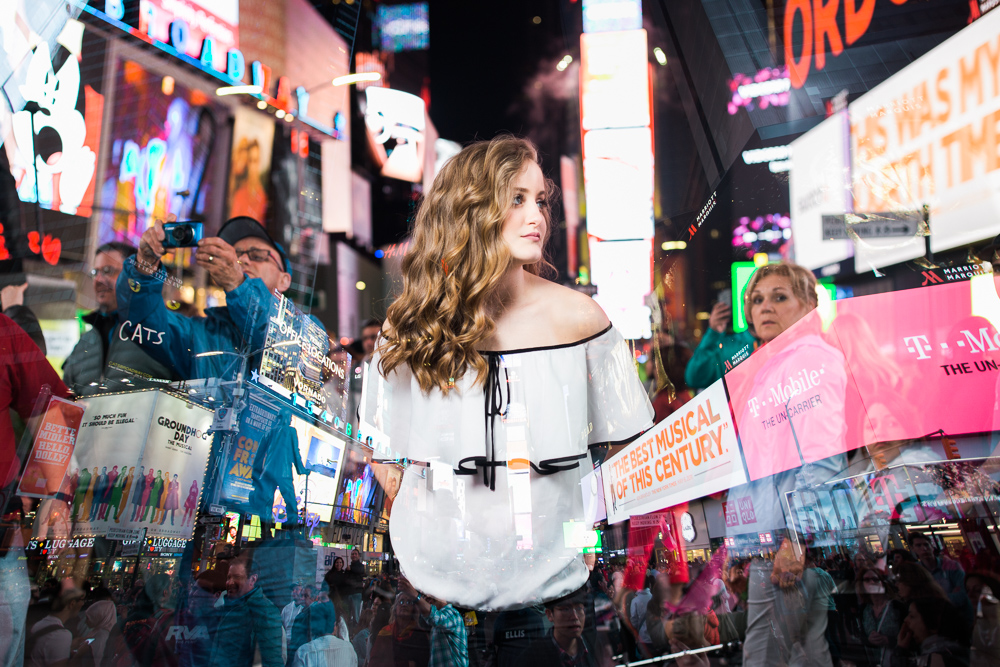 Senior Pictures Times Square NYC by Cleveland Wedding Photographer Matt Erickson Photography