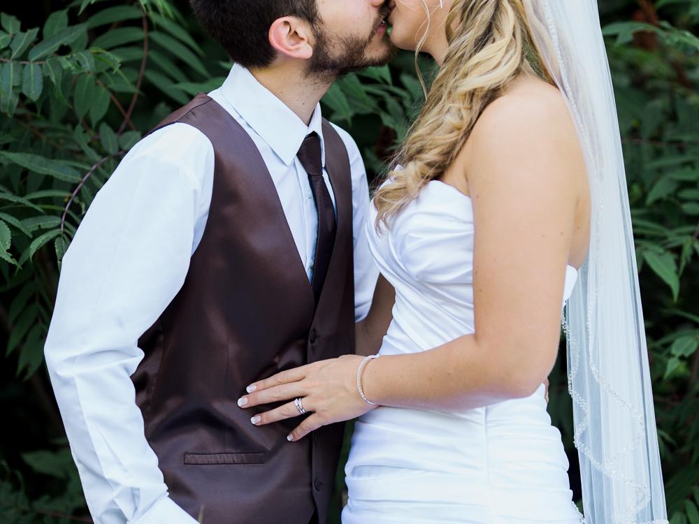 Romantic Rustic Wedding by Cleveland Wedding Photographer Matt Erickson Photography