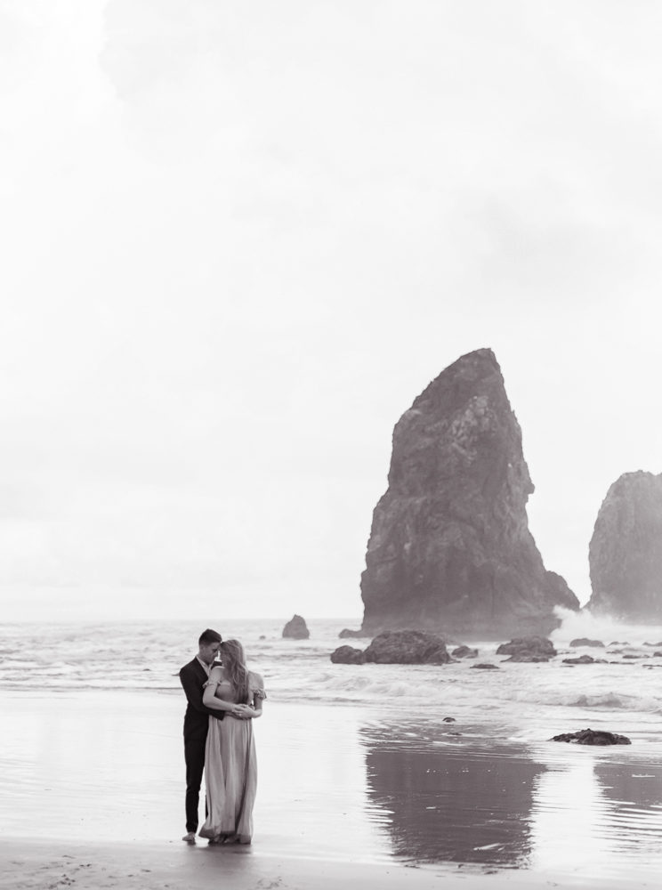 matt-erickson-photography-cannon-beach-enagement-photos-36.jpg