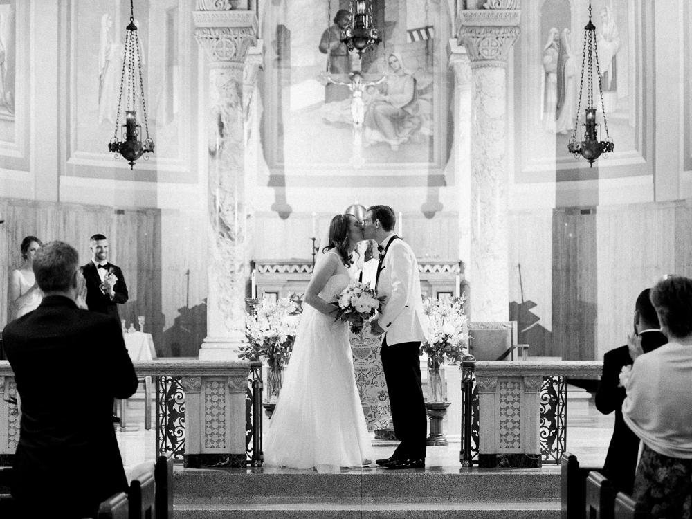 matt-erickson-photography-downtown-cleveland-wedding-photos-9.jpg