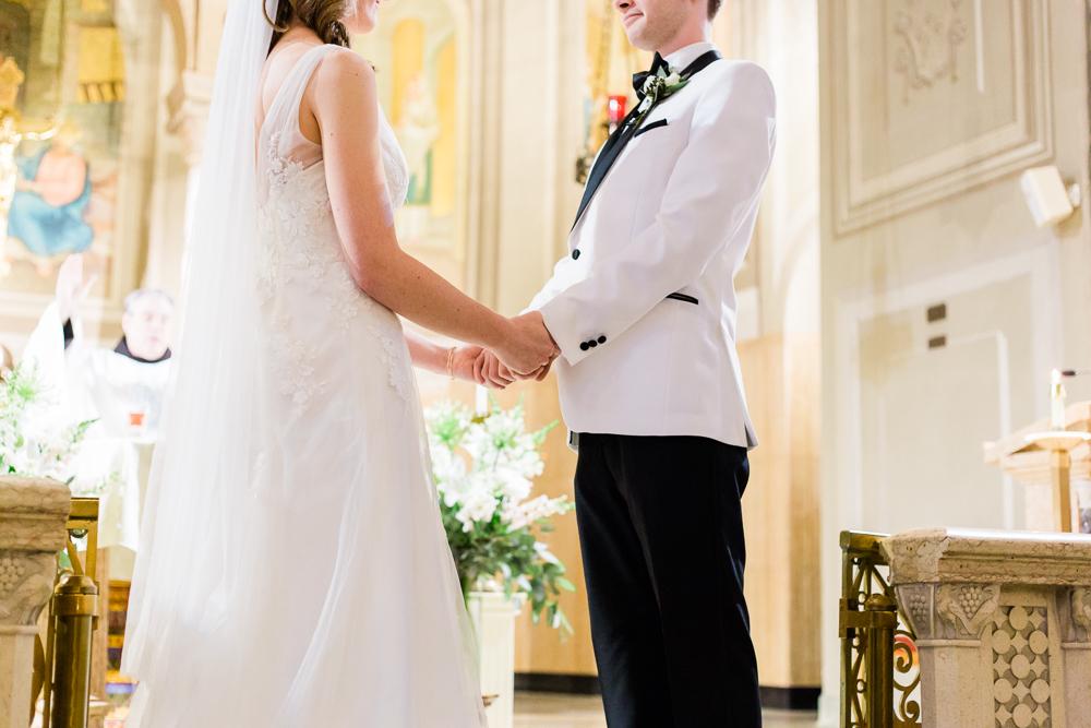 matt-erickson-photography-downtown-cleveland-wedding-photos-8.jpg