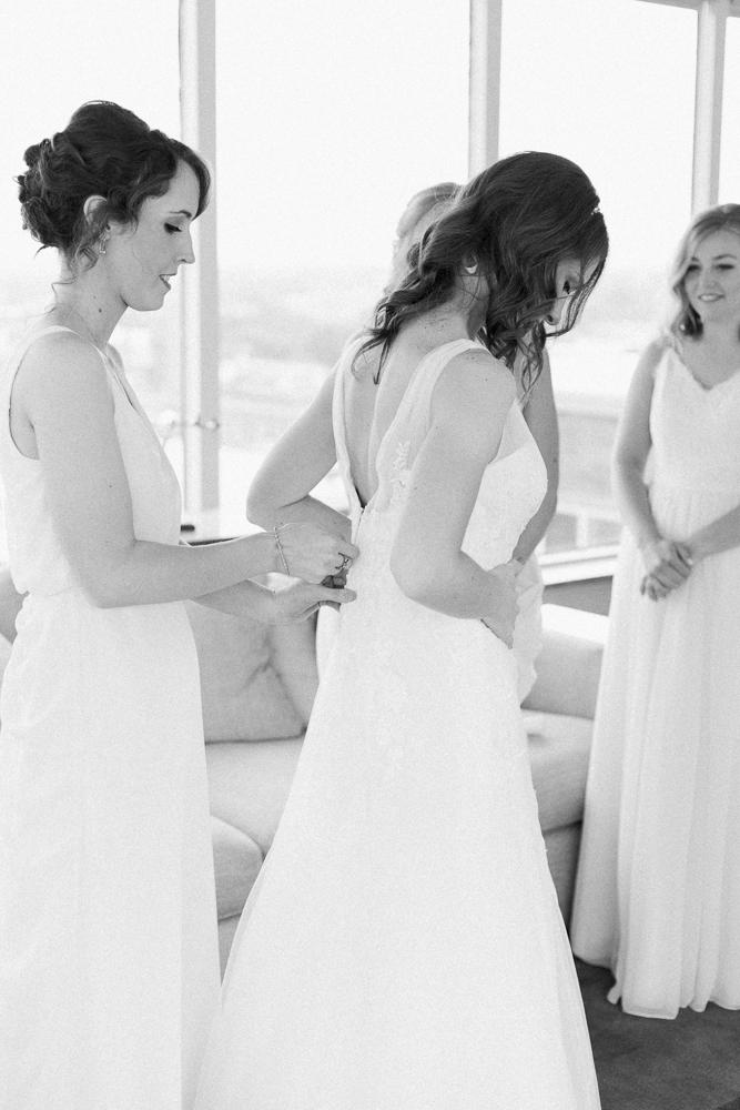 matt-erickson-photography-downtown-cleveland-wedding-photos-32.jpg