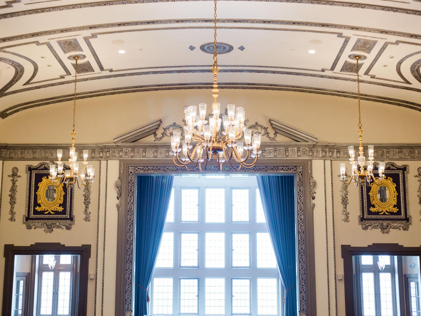 tudor-arms-hotel-cleveland-wedding-venue-photos-by-matt-erickson-photography-1.jpg