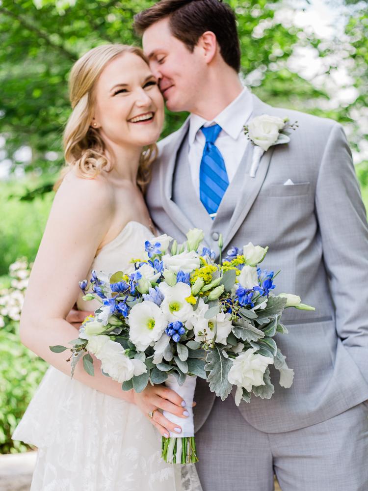 matt-erickson-photography-chicago-garden--independence-grove-wedding-photos-11.jpg