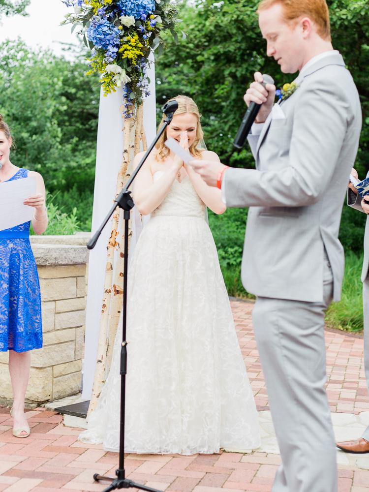 matt-erickson-photography-chicago-garden--independence-grove-wedding-photos-21.jpg
