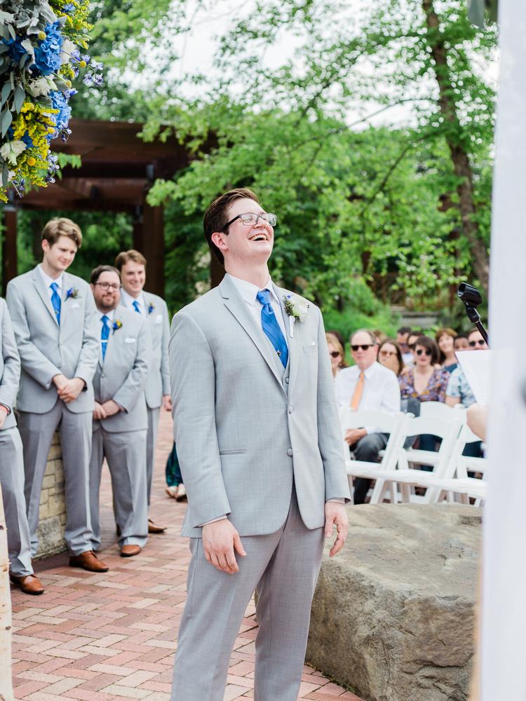 matt-erickson-photography-chicago-garden--independence-grove-wedding-photos-23.jpg
